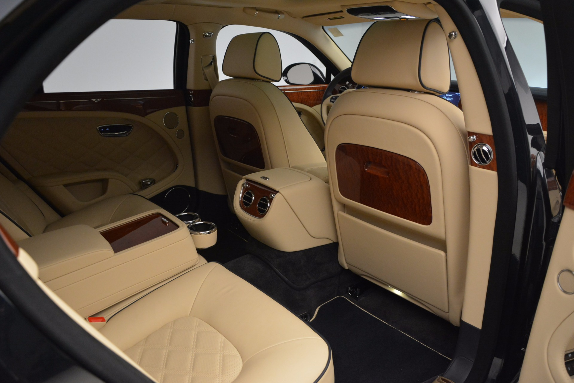 Used 2016 Bentley Mulsanne  For Sale In Greenwich, CT. Alfa Romeo of Greenwich, 7121 742_p36
