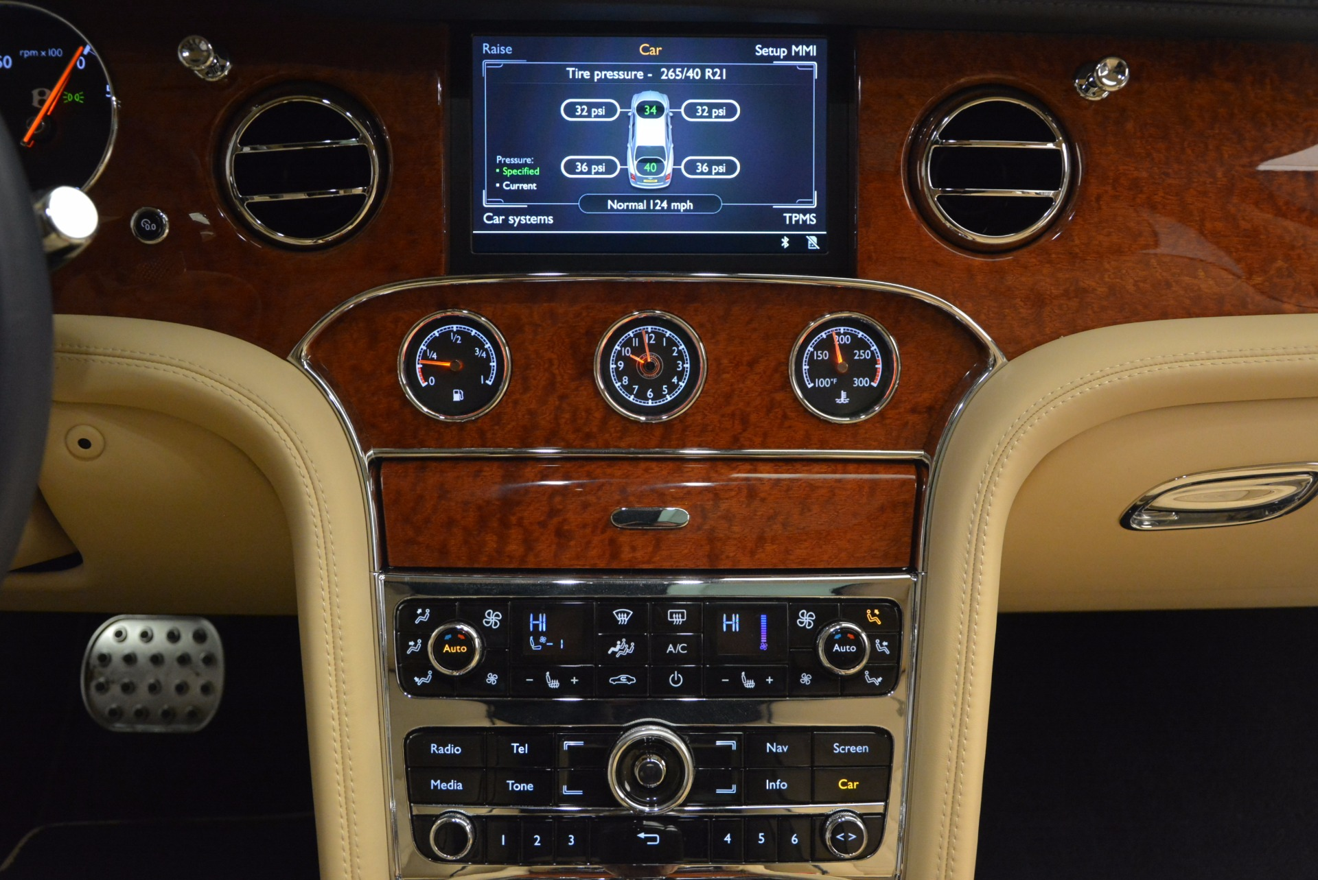 Used 2016 Bentley Mulsanne  For Sale In Greenwich, CT. Alfa Romeo of Greenwich, 7121 742_p39