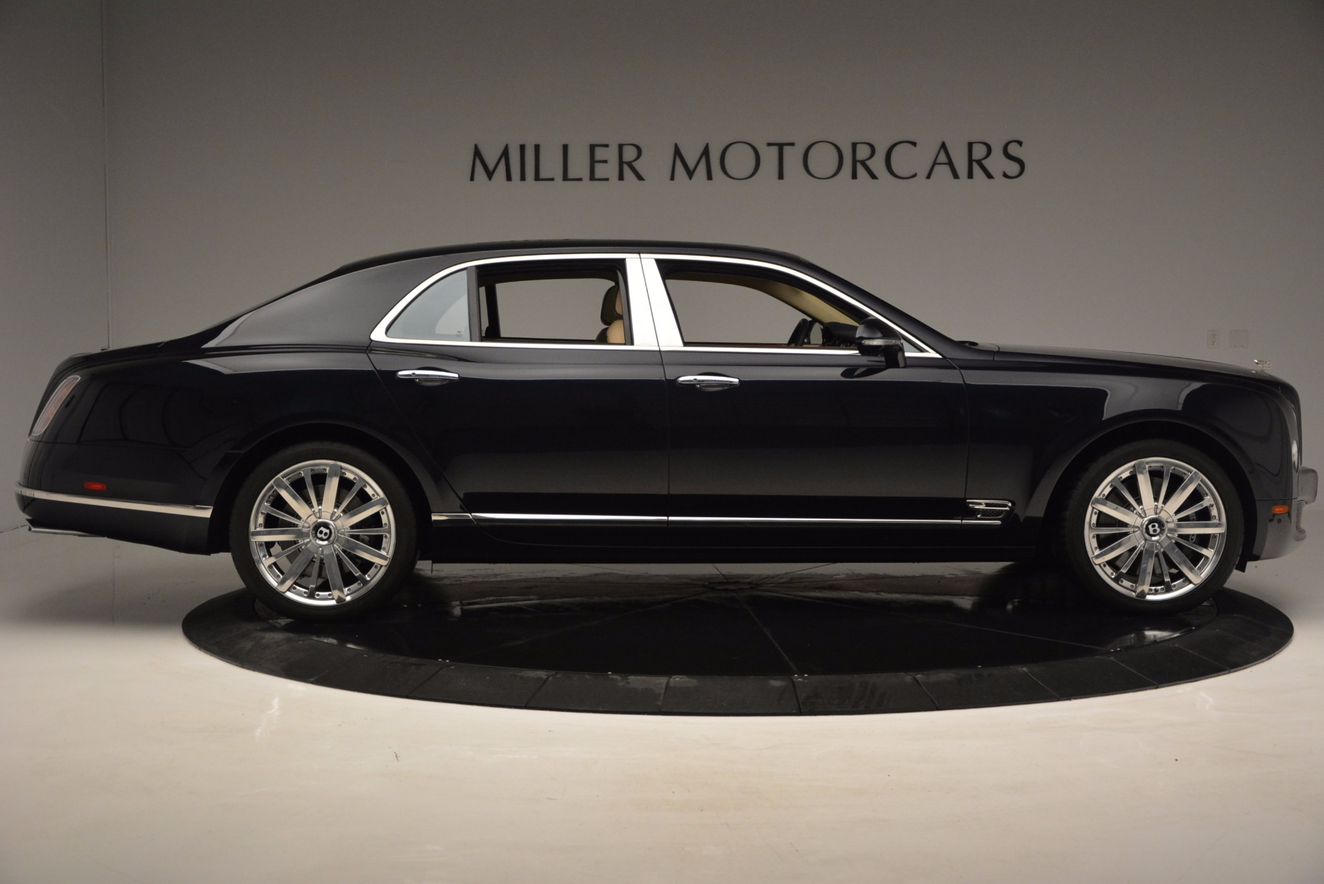 Used 2016 Bentley Mulsanne  For Sale In Greenwich, CT. Alfa Romeo of Greenwich, 7121 742_p7