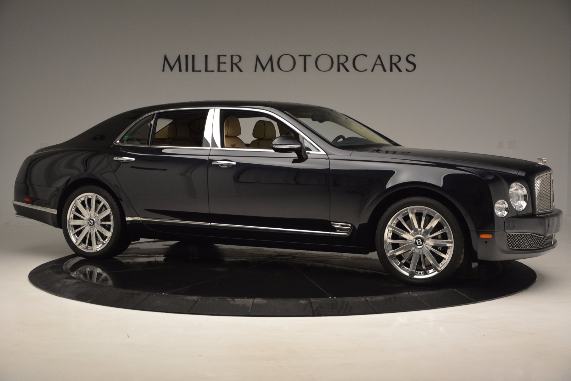 Used 2016 Bentley Mulsanne  For Sale In Greenwich, CT. Alfa Romeo of Greenwich, 7121 742_p8