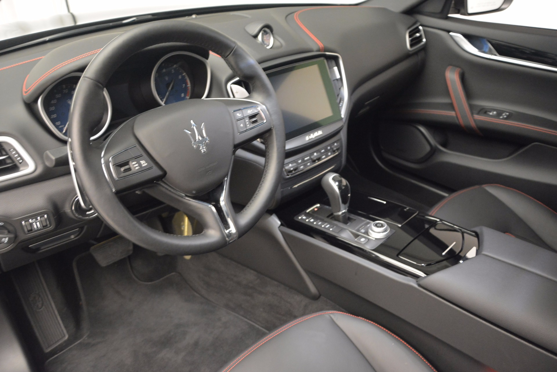 New 2017 Maserati Ghibli  For Sale In Greenwich, CT. Alfa Romeo of Greenwich, M1739 751_p13