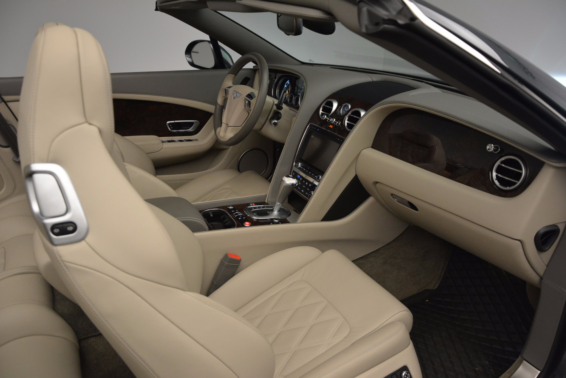 Used 2014 Bentley Continental GT V8 For Sale In Greenwich, CT. Alfa Romeo of Greenwich, 7124 753_p51
