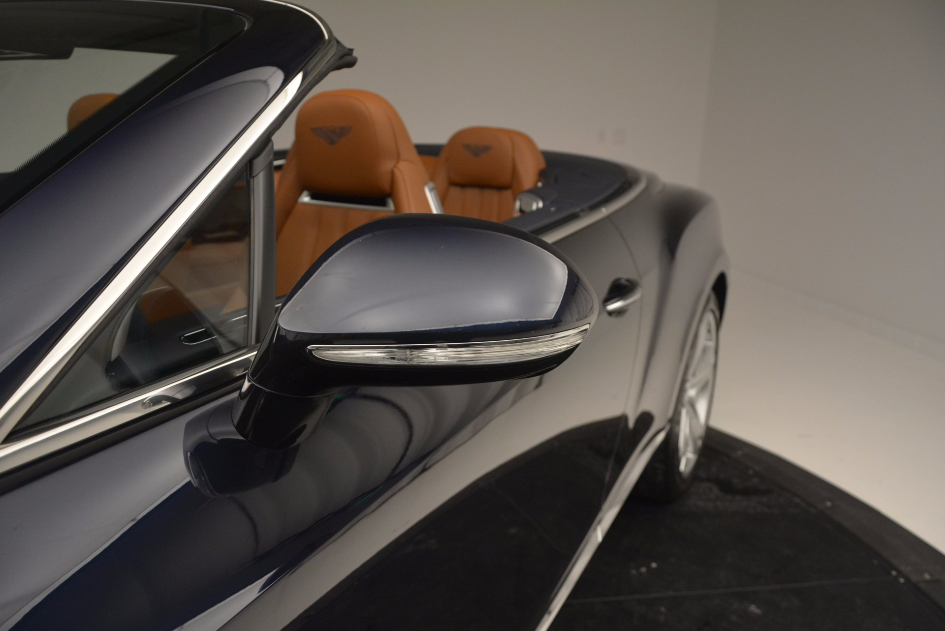 Used 2014 Bentley Continental GT V8 For Sale In Greenwich, CT. Alfa Romeo of Greenwich, 7123 754_p31
