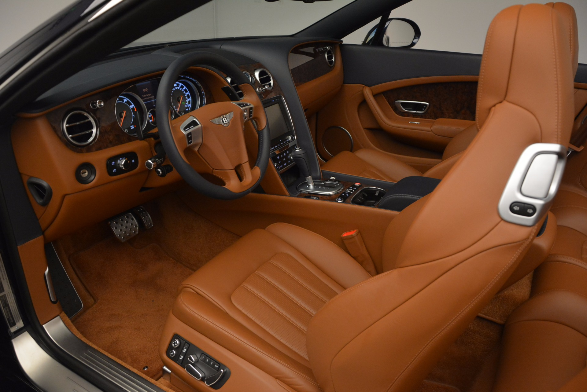 Used 2014 Bentley Continental GT V8 For Sale In Greenwich, CT. Alfa Romeo of Greenwich, 7123 754_p35