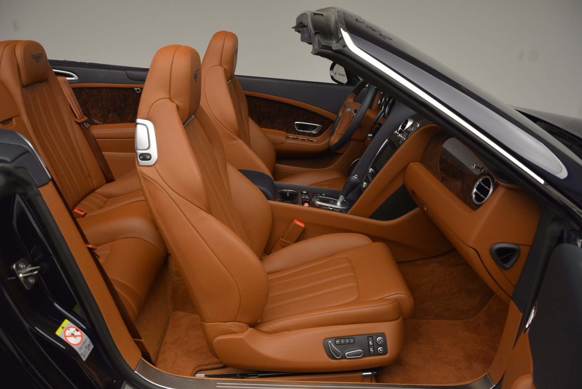 Used 2014 Bentley Continental GT V8 For Sale In Greenwich, CT. Alfa Romeo of Greenwich, 7123 754_p43