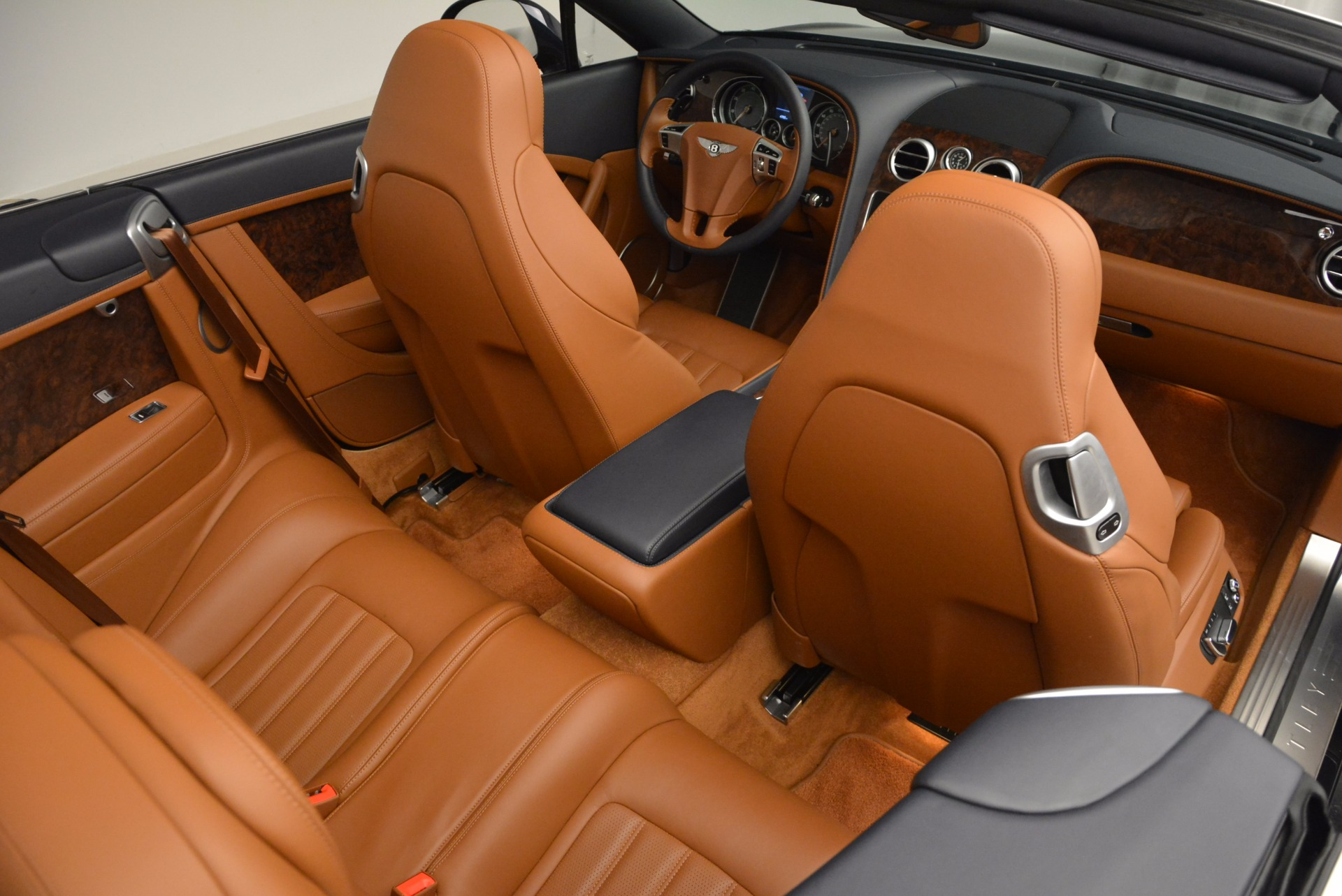 Used 2014 Bentley Continental GT V8 For Sale In Greenwich, CT. Alfa Romeo of Greenwich, 7123 754_p48