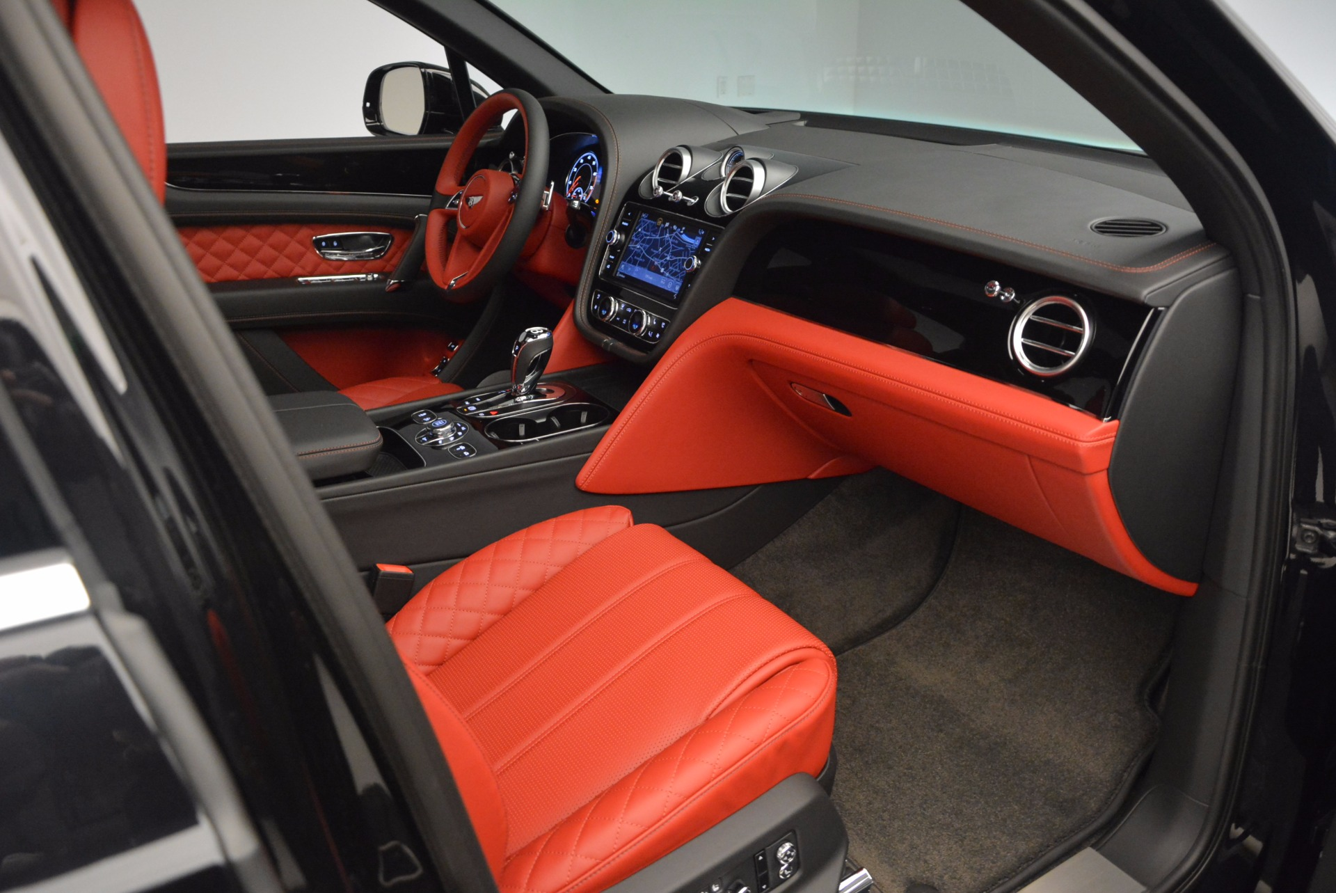 New 2017 Bentley Bentayga  For Sale In Greenwich, CT. Alfa Romeo of Greenwich, B1209 756_p48