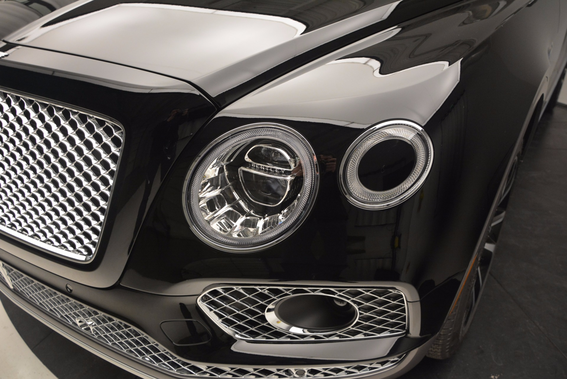 New 2017 Bentley Bentayga  For Sale In Greenwich, CT. Alfa Romeo of Greenwich, B1215 757_p14