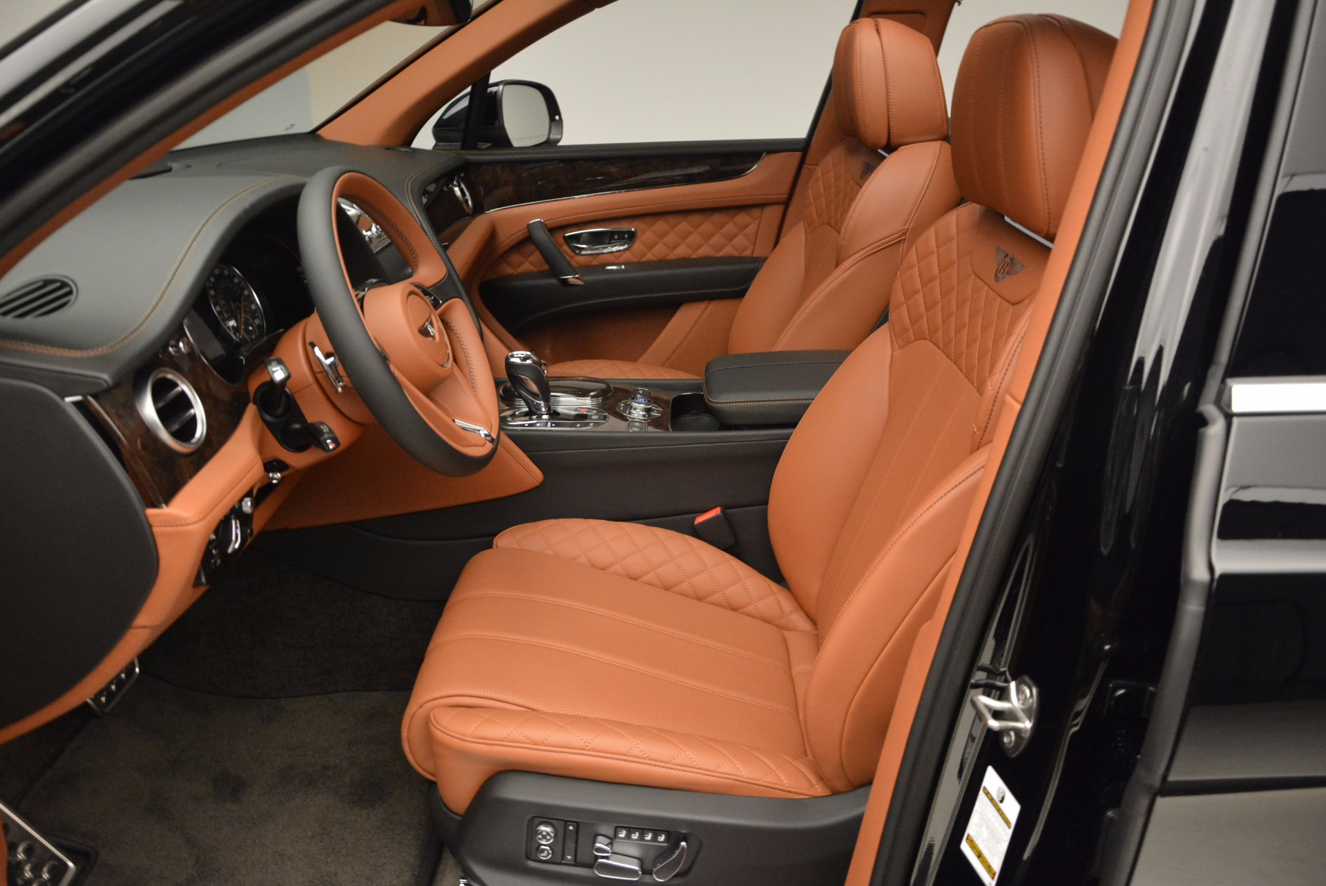 New 2017 Bentley Bentayga  For Sale In Greenwich, CT. Alfa Romeo of Greenwich, B1215 757_p26