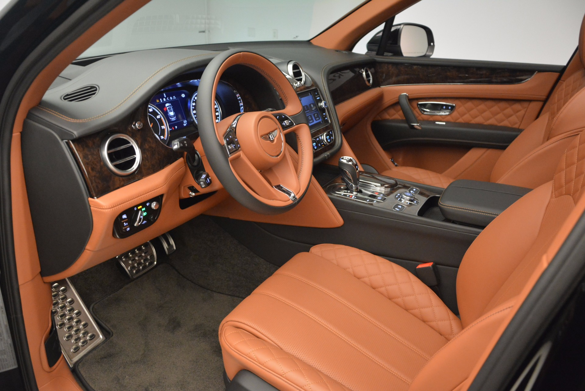 New 2017 Bentley Bentayga  For Sale In Greenwich, CT. Alfa Romeo of Greenwich, B1215 757_p27