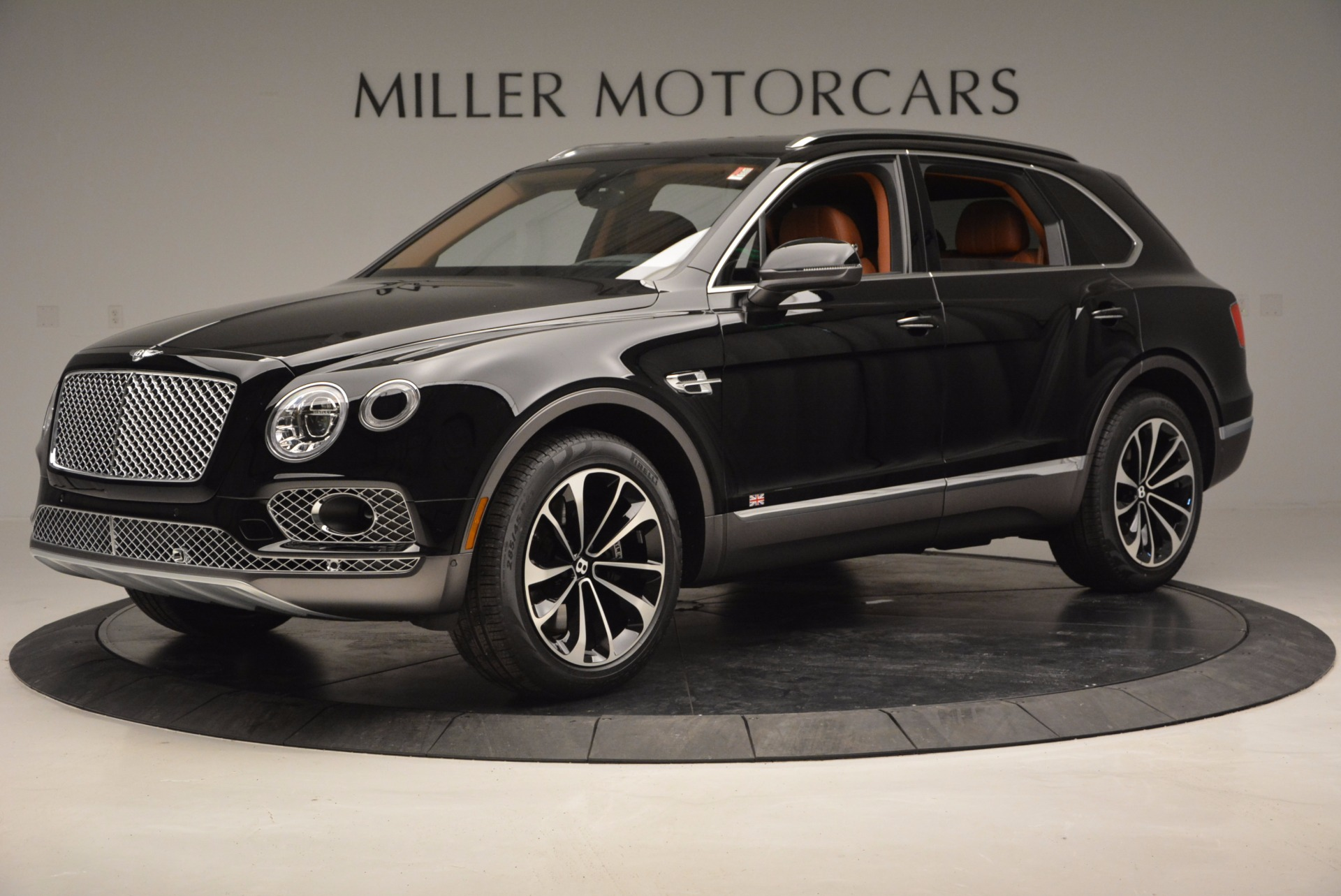 New 2017 Bentley Bentayga  For Sale In Greenwich, CT. Alfa Romeo of Greenwich, B1215 757_p2