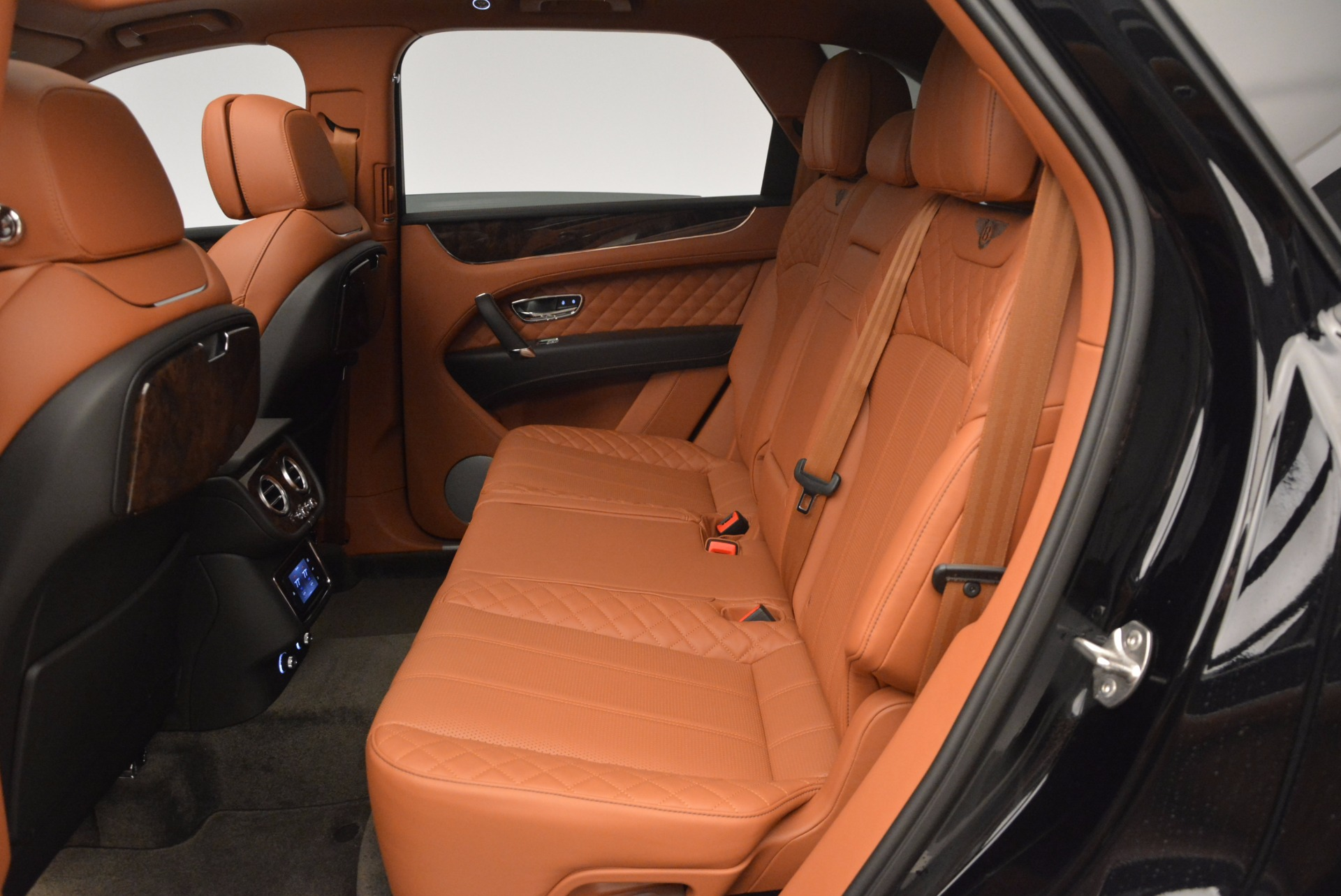New 2017 Bentley Bentayga  For Sale In Greenwich, CT. Alfa Romeo of Greenwich, B1215 757_p35