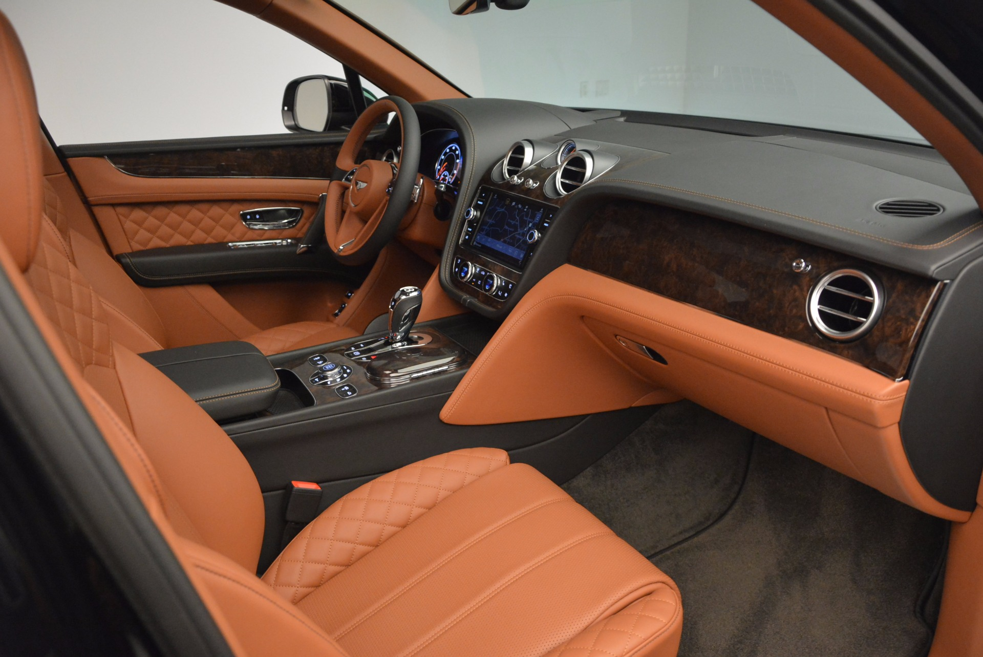 New 2017 Bentley Bentayga  For Sale In Greenwich, CT. Alfa Romeo of Greenwich, B1215 757_p44
