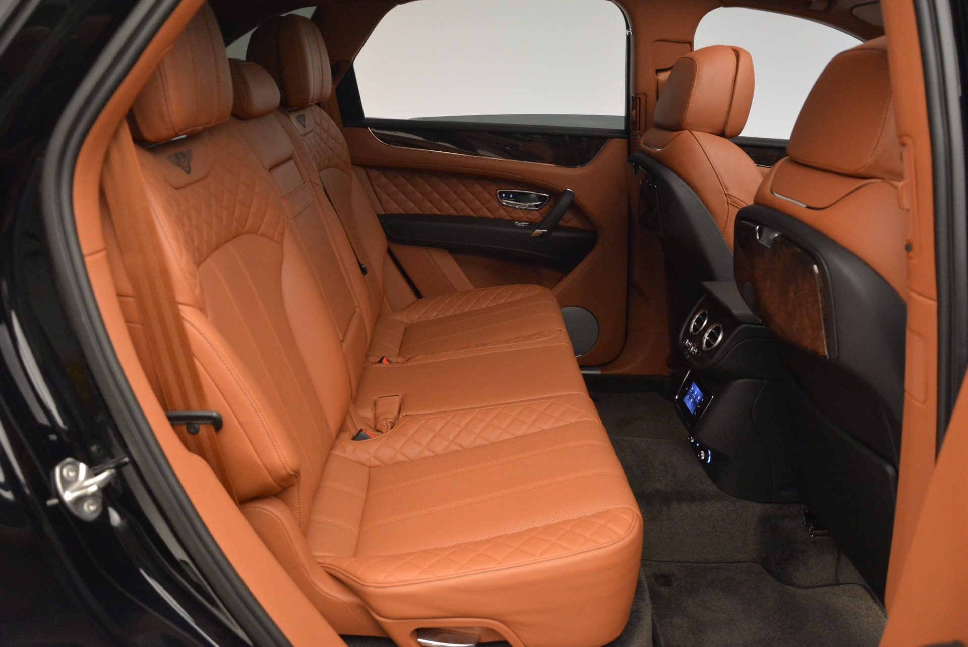 New 2017 Bentley Bentayga  For Sale In Greenwich, CT. Alfa Romeo of Greenwich, B1215 757_p55