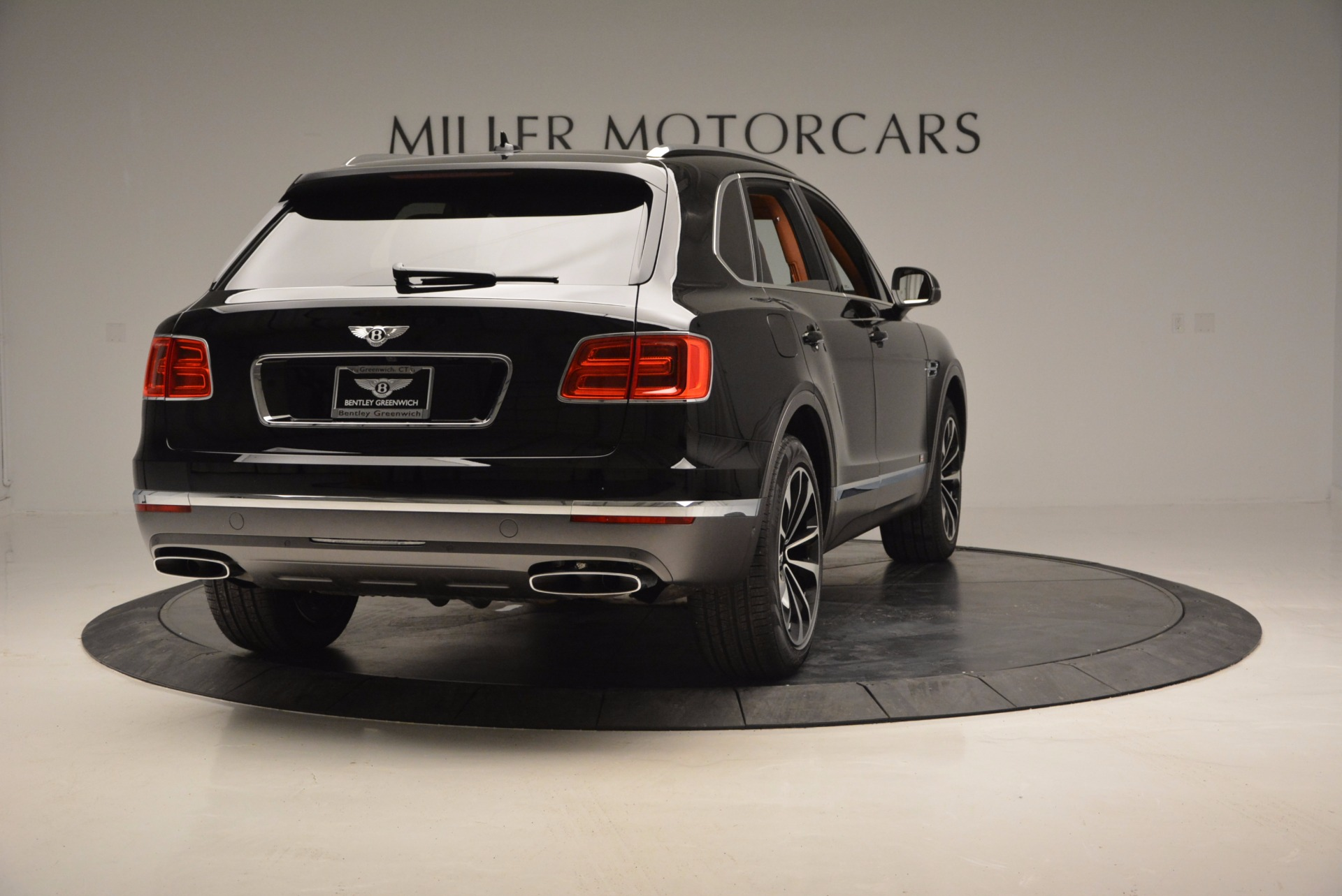 New 2017 Bentley Bentayga  For Sale In Greenwich, CT. Alfa Romeo of Greenwich, B1215 757_p7