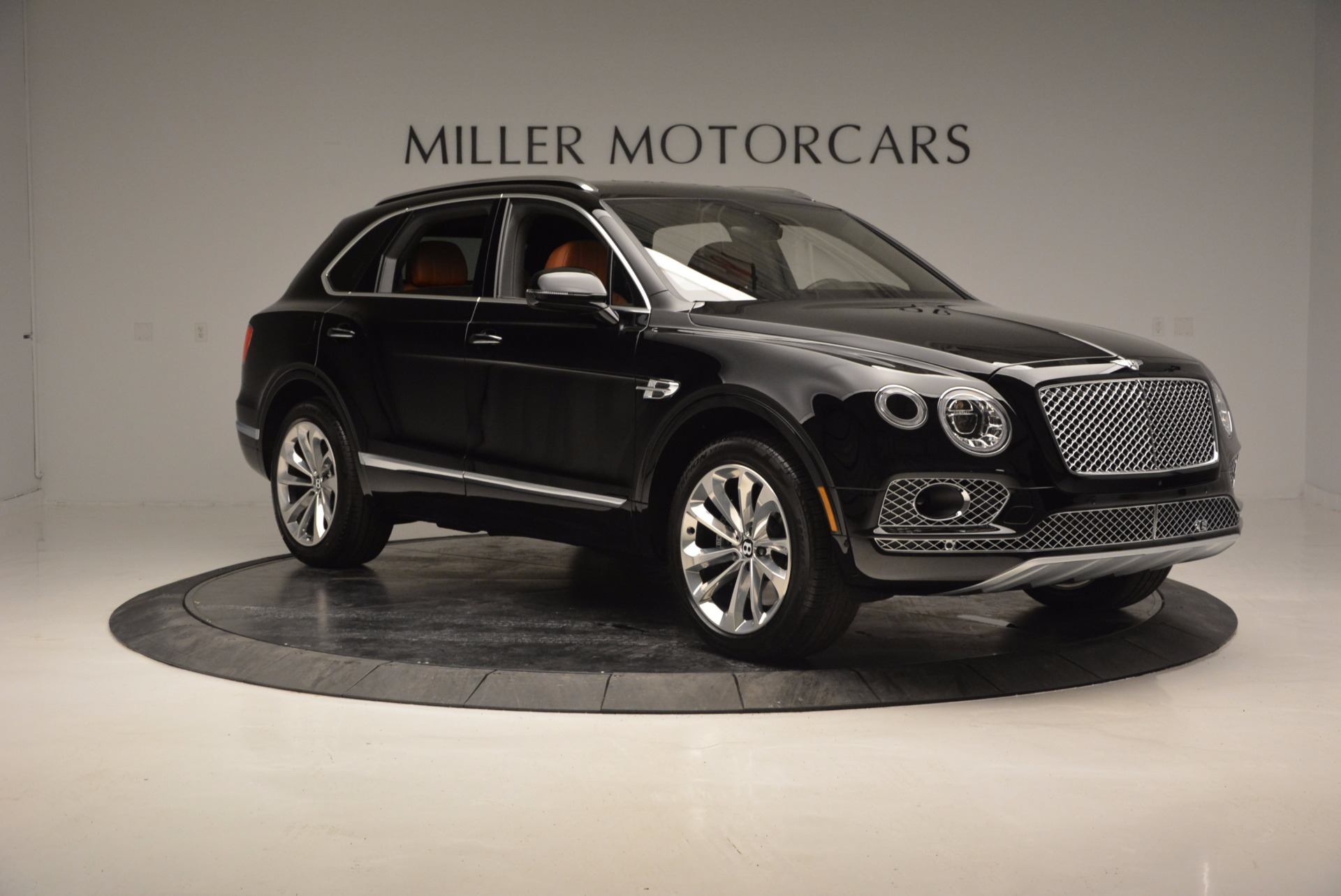 Used 2017 Bentley Bentayga  For Sale In Greenwich, CT. Alfa Romeo of Greenwich, 7125 758_p11