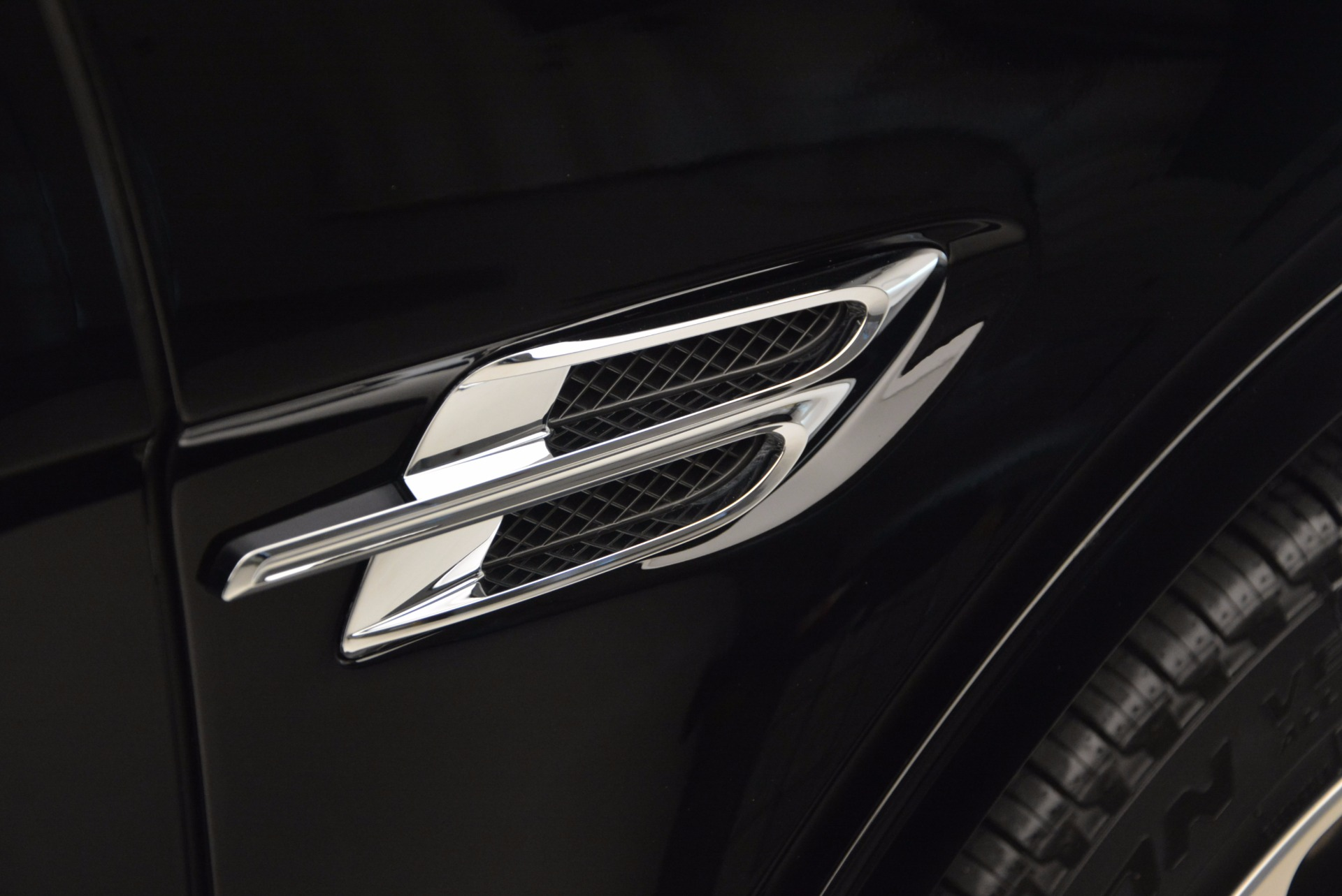Used 2017 Bentley Bentayga  For Sale In Greenwich, CT. Alfa Romeo of Greenwich, 7125 758_p42