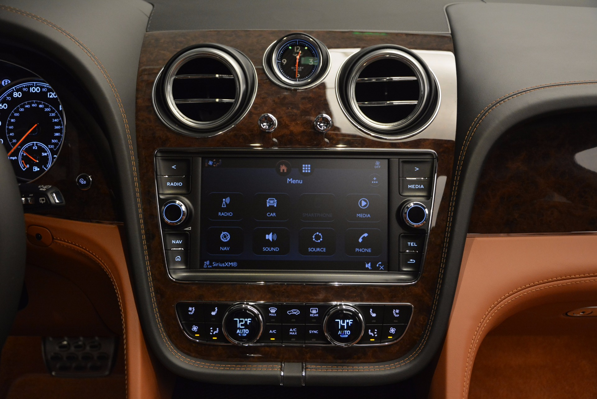 Used 2017 Bentley Bentayga  For Sale In Greenwich, CT. Alfa Romeo of Greenwich, 7125 758_p54