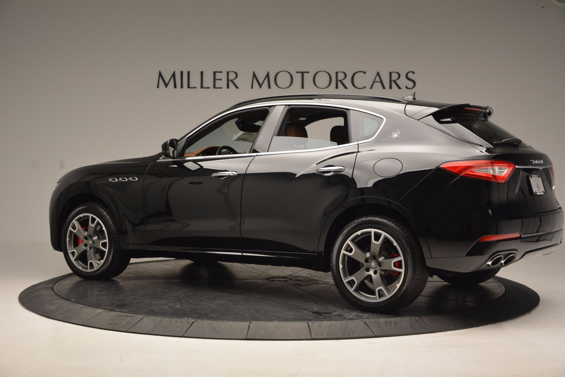 New 2017 Maserati Levante  For Sale In Greenwich, CT. Alfa Romeo of Greenwich, M1740 760_p4