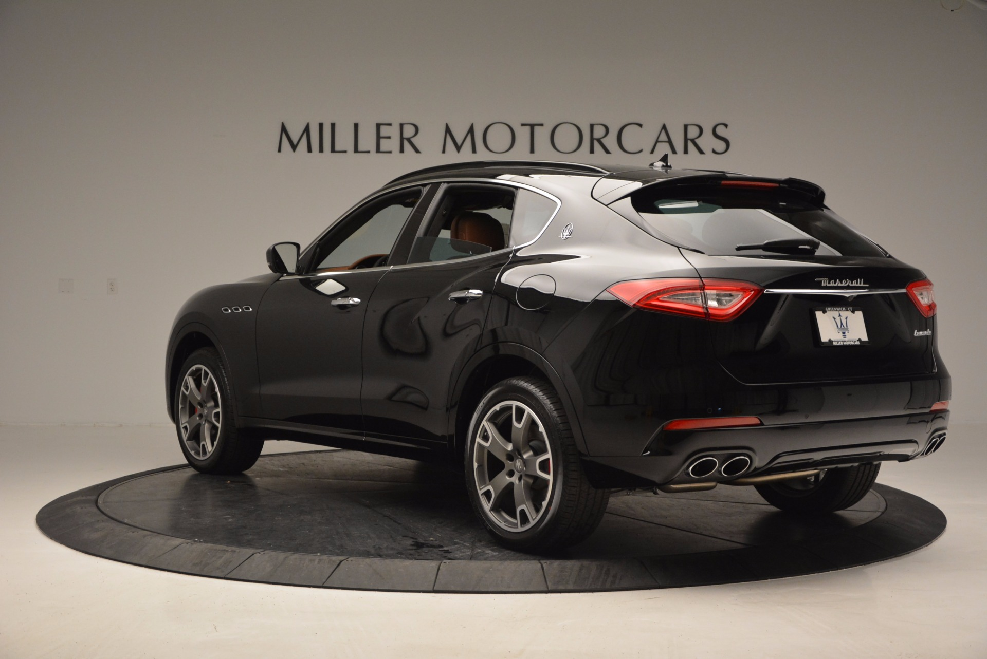 New 2017 Maserati Levante  For Sale In Greenwich, CT. Alfa Romeo of Greenwich, M1740 760_p5