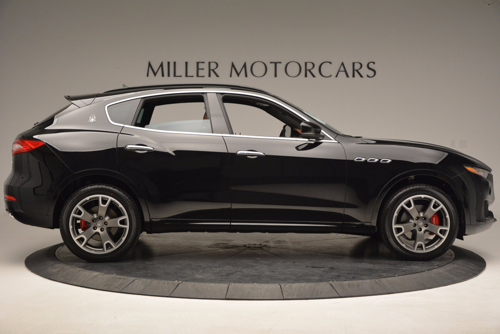New 2017 Maserati Levante  For Sale In Greenwich, CT. Alfa Romeo of Greenwich, M1740 760_p9