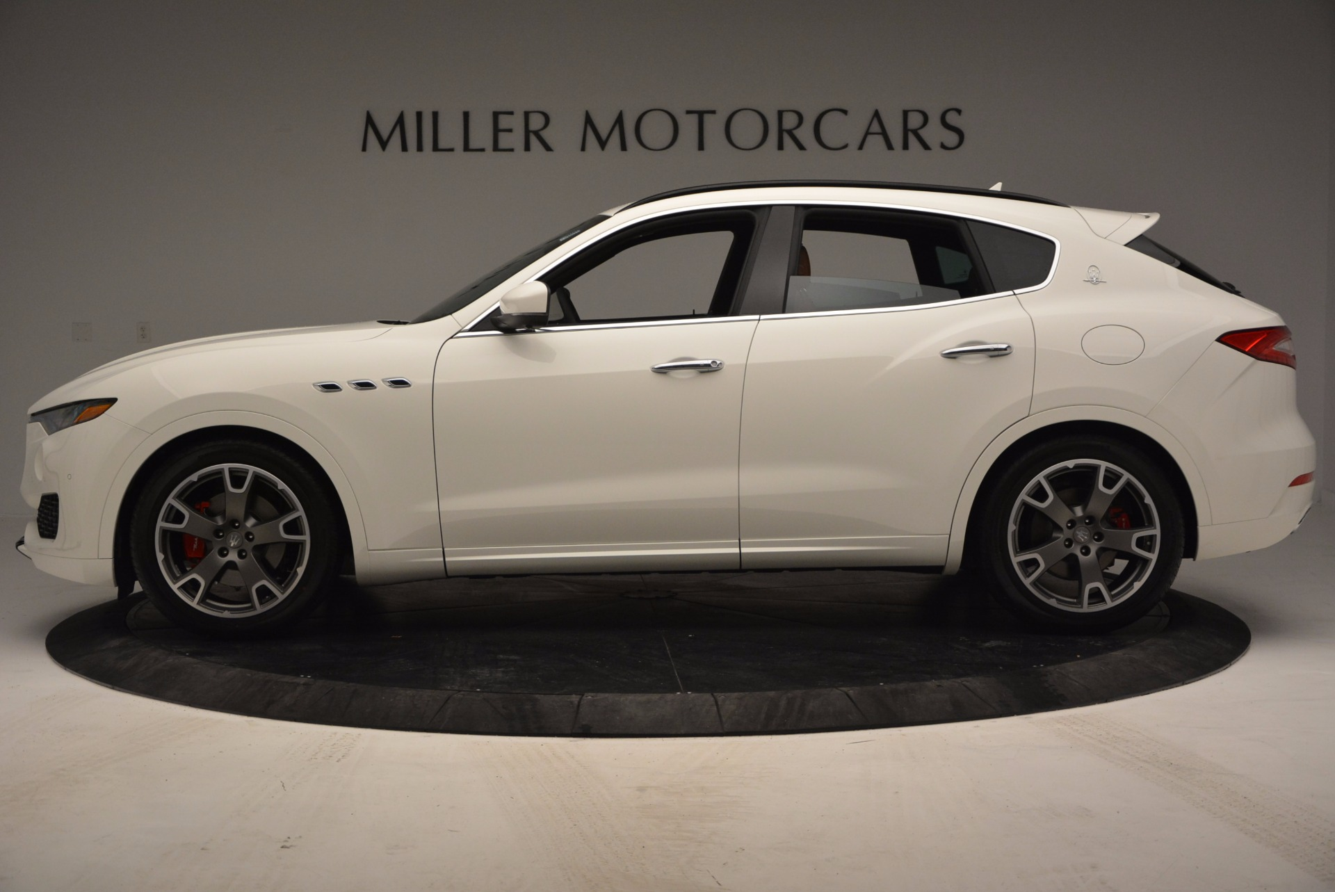 New 2017 Maserati Levante  For Sale In Greenwich, CT. Alfa Romeo of Greenwich, M1726 762_p3