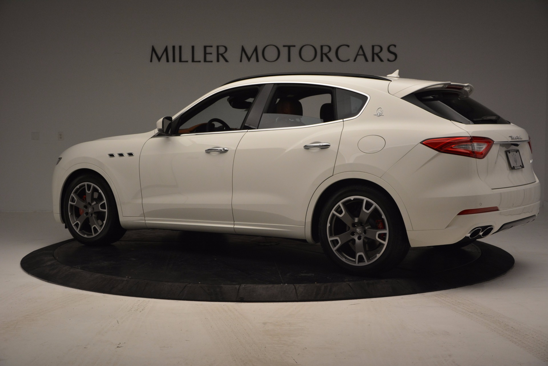 New 2017 Maserati Levante  For Sale In Greenwich, CT. Alfa Romeo of Greenwich, M1726 762_p4