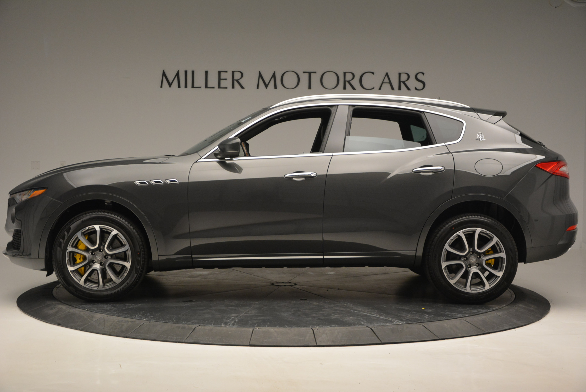 Used 2017 Maserati Levante S Ex Service Loaner For Sale In Greenwich, CT. Alfa Romeo of Greenwich, W375 764_p3