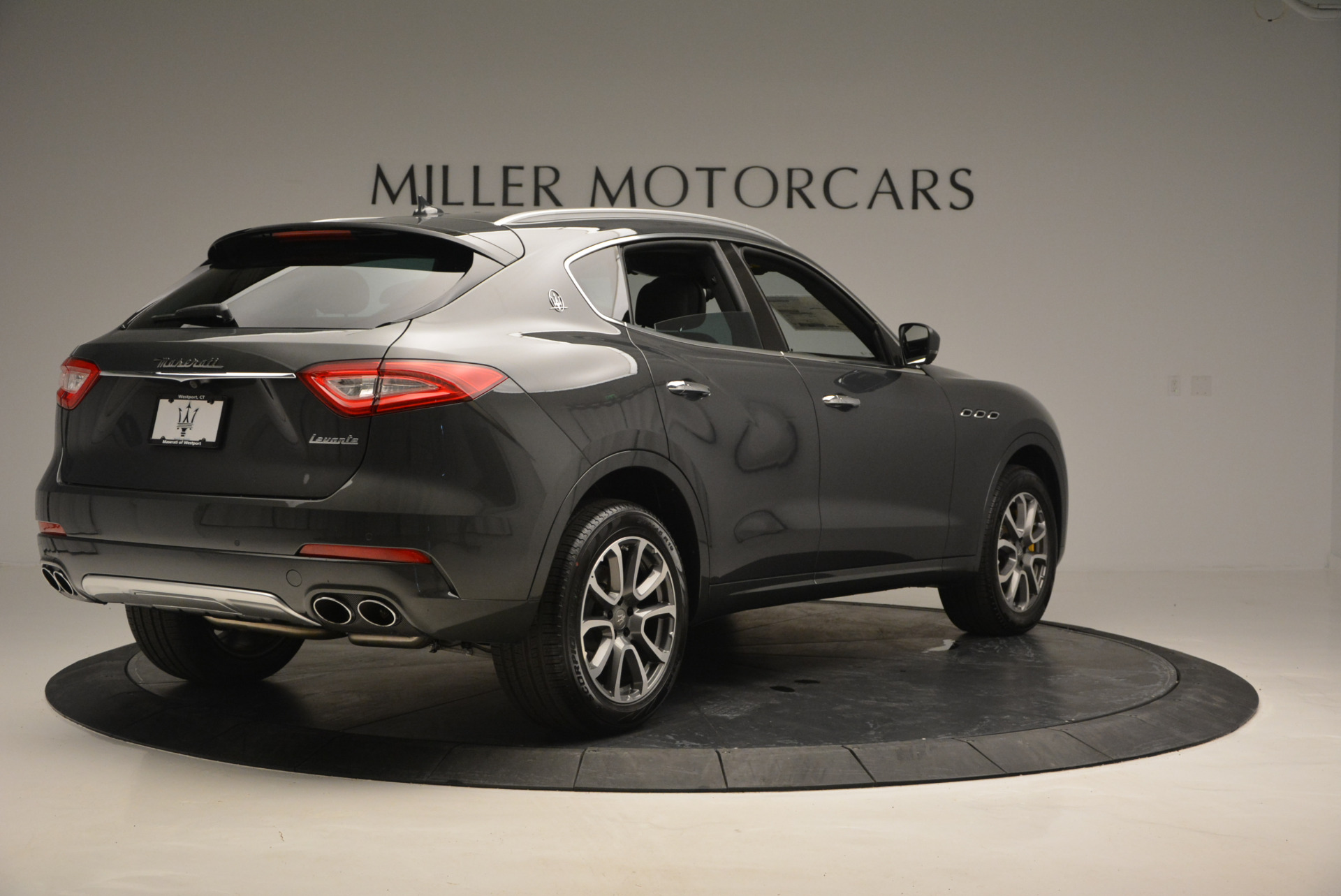 Used 2017 Maserati Levante S Ex Service Loaner For Sale In Greenwich, CT. Alfa Romeo of Greenwich, W375 764_p7