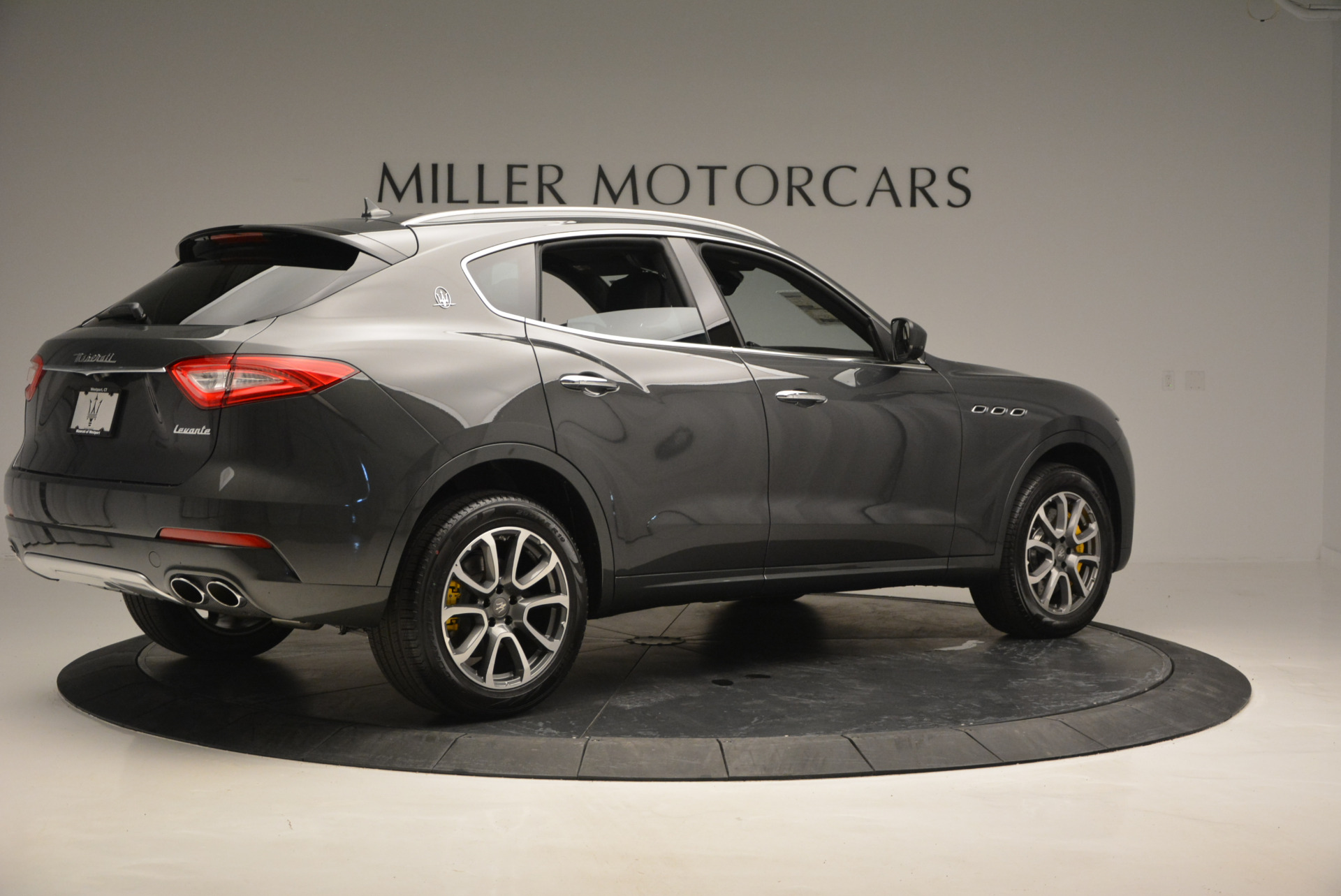 Used 2017 Maserati Levante S Ex Service Loaner For Sale In Greenwich, CT. Alfa Romeo of Greenwich, W375 764_p8