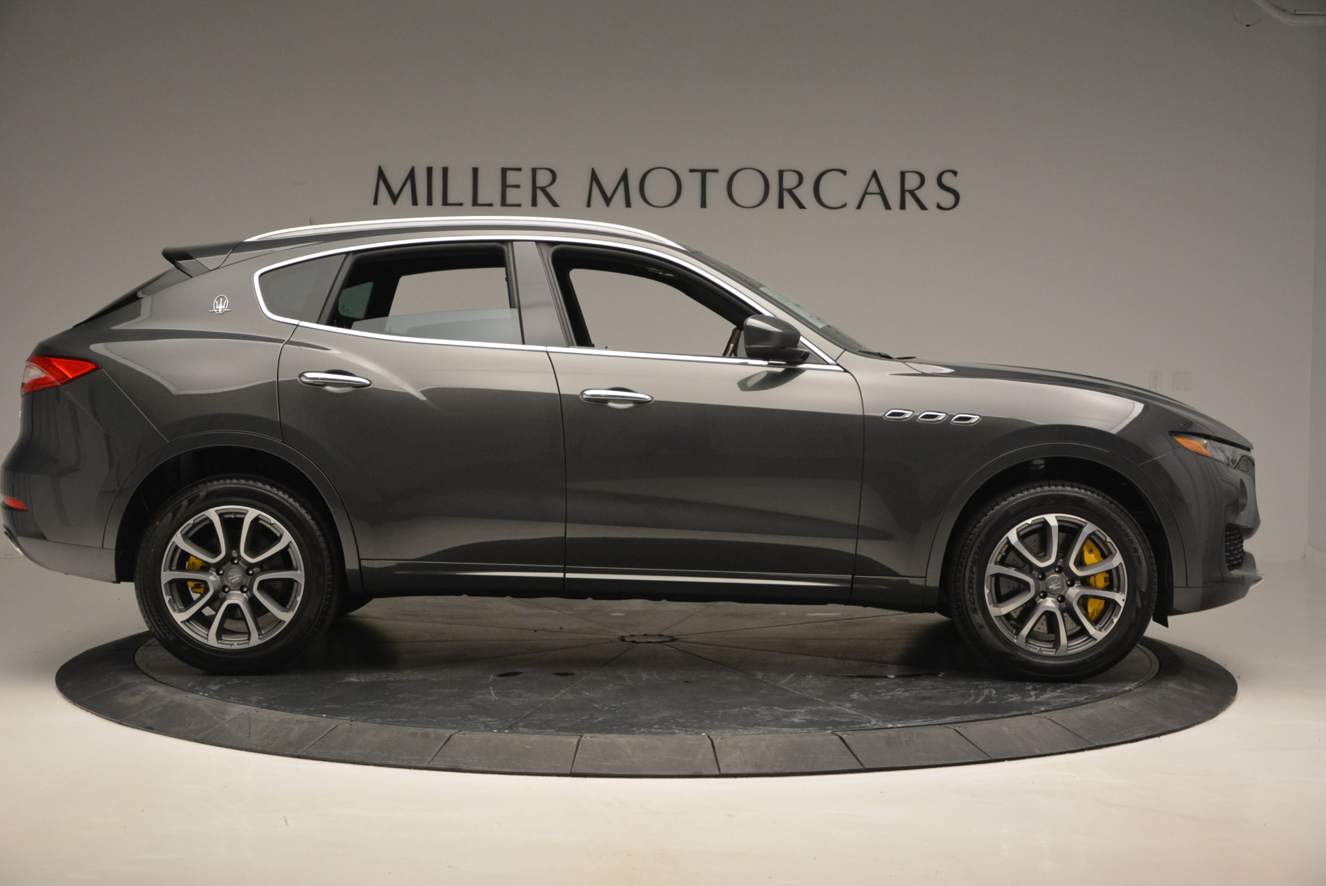 Used 2017 Maserati Levante S Ex Service Loaner For Sale In Greenwich, CT. Alfa Romeo of Greenwich, W375 764_p9