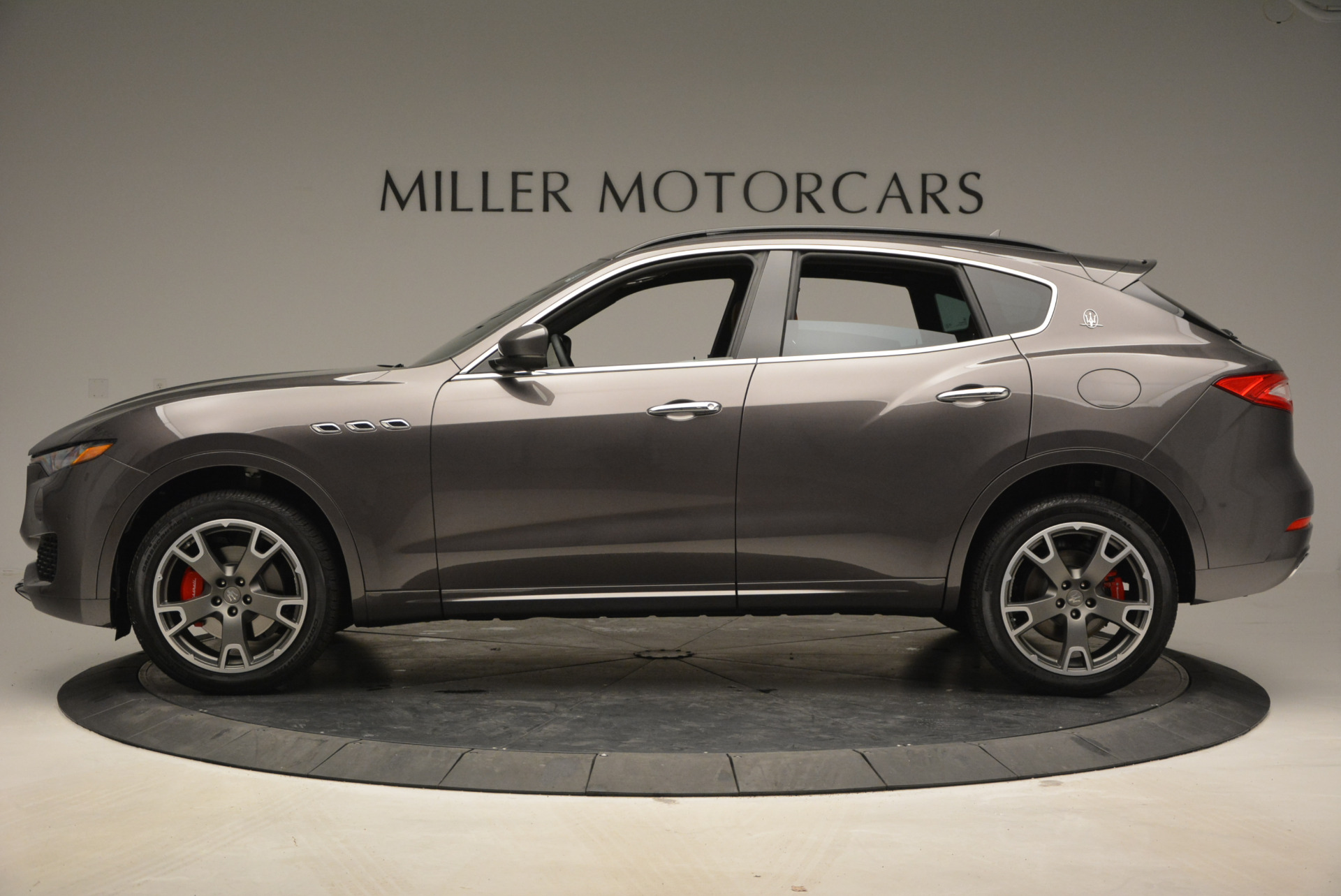 New 2017 Maserati Levante  For Sale In Greenwich, CT. Alfa Romeo of Greenwich, M1750 765_p3