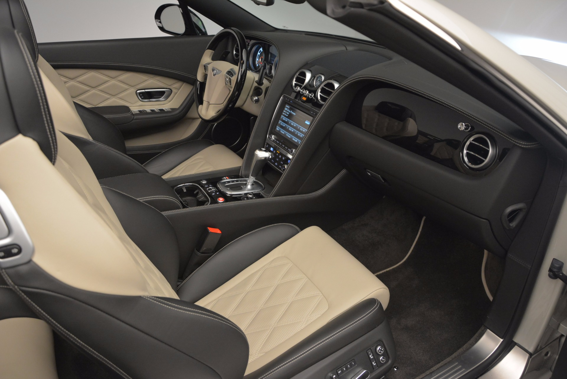Used 2014 Bentley Continental GT V8 S For Sale In Greenwich, CT. Alfa Romeo of Greenwich, 7126 774_p50