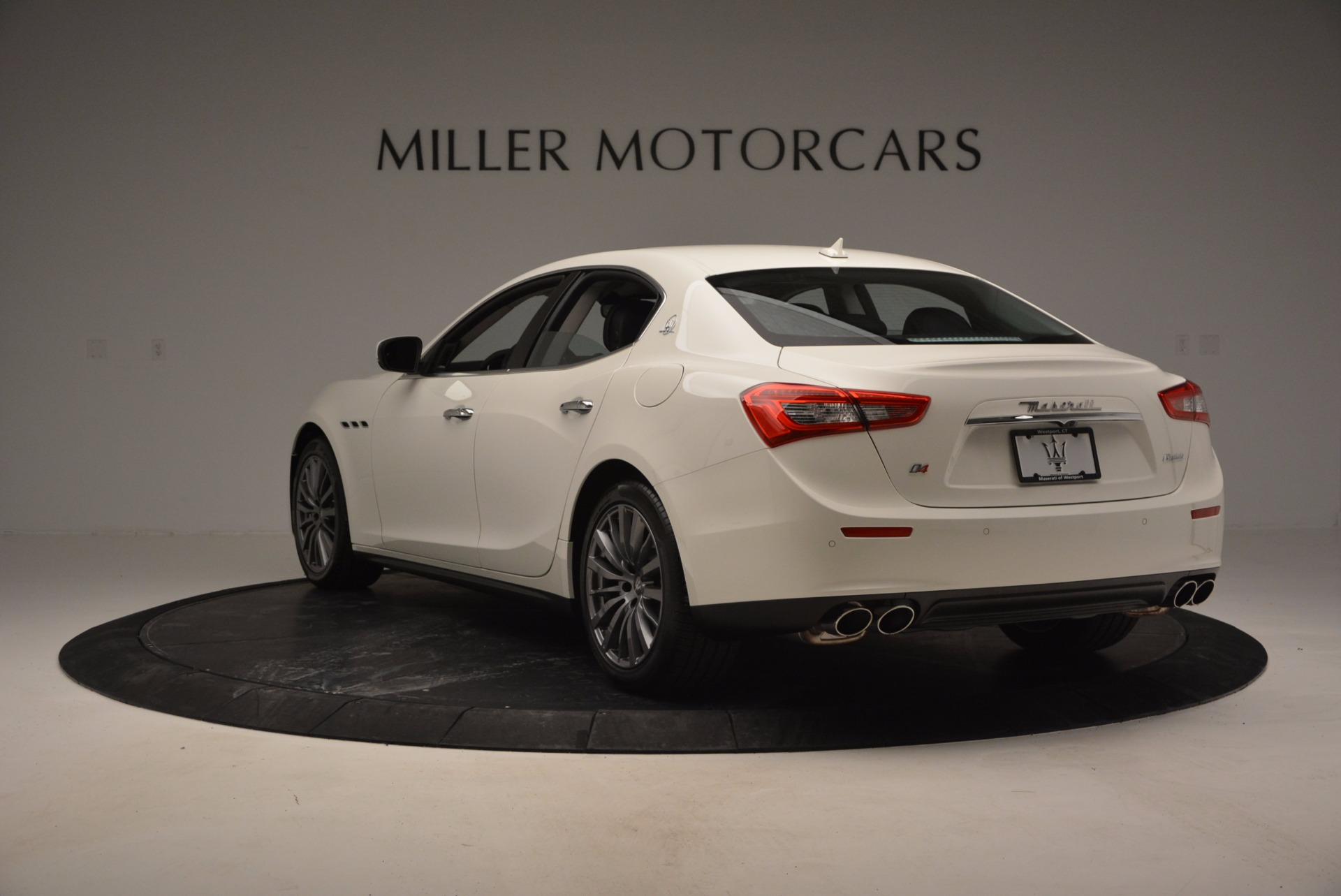 Used 2017 Maserati Ghibli S Q4 Ex-Loaner For Sale In Greenwich, CT. Alfa Romeo of Greenwich, M1756 783_p5