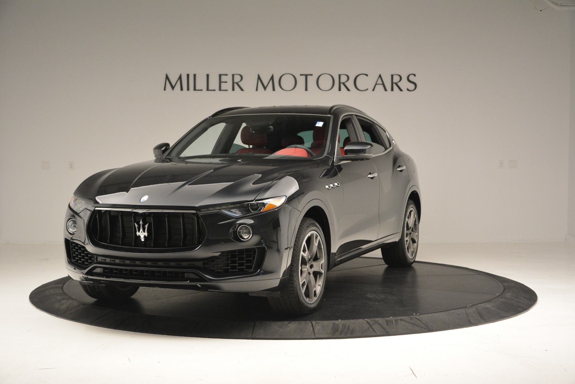 New 2017 Maserati Levante  For Sale In Greenwich, CT. Alfa Romeo of Greenwich, W386 791_main