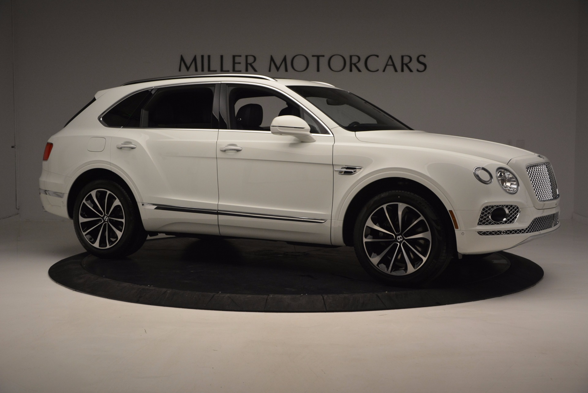 New 2017 Bentley Bentayga  For Sale In Greenwich, CT. Alfa Romeo of Greenwich, B1218 794_p10