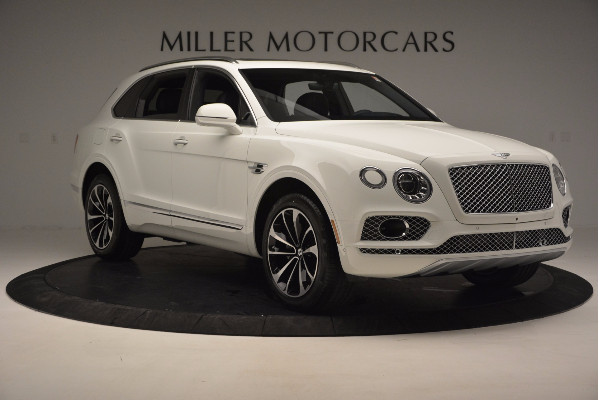 New 2017 Bentley Bentayga  For Sale In Greenwich, CT. Alfa Romeo of Greenwich, B1218 794_p11