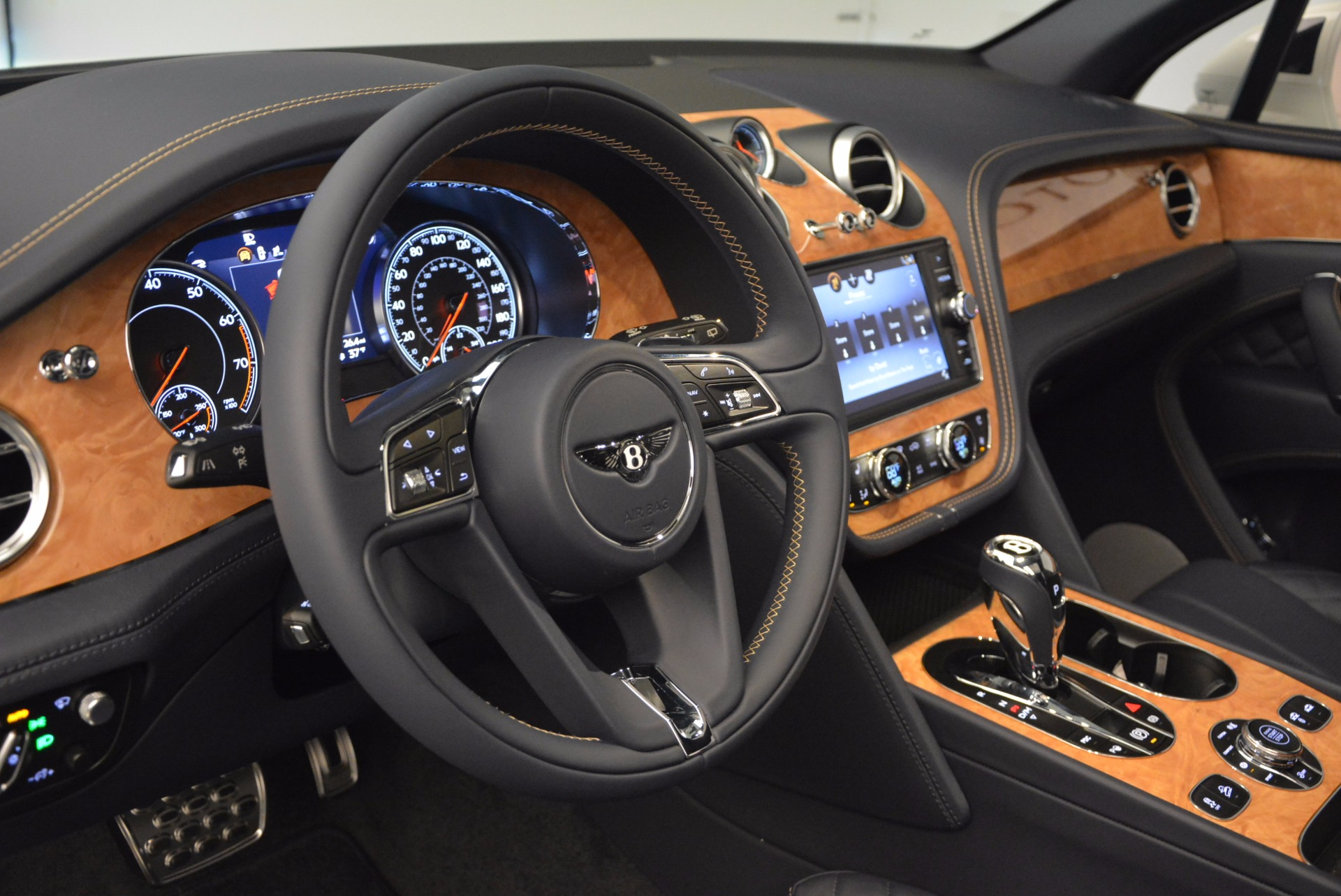 New 2017 Bentley Bentayga  For Sale In Greenwich, CT. Alfa Romeo of Greenwich, B1218 794_p27