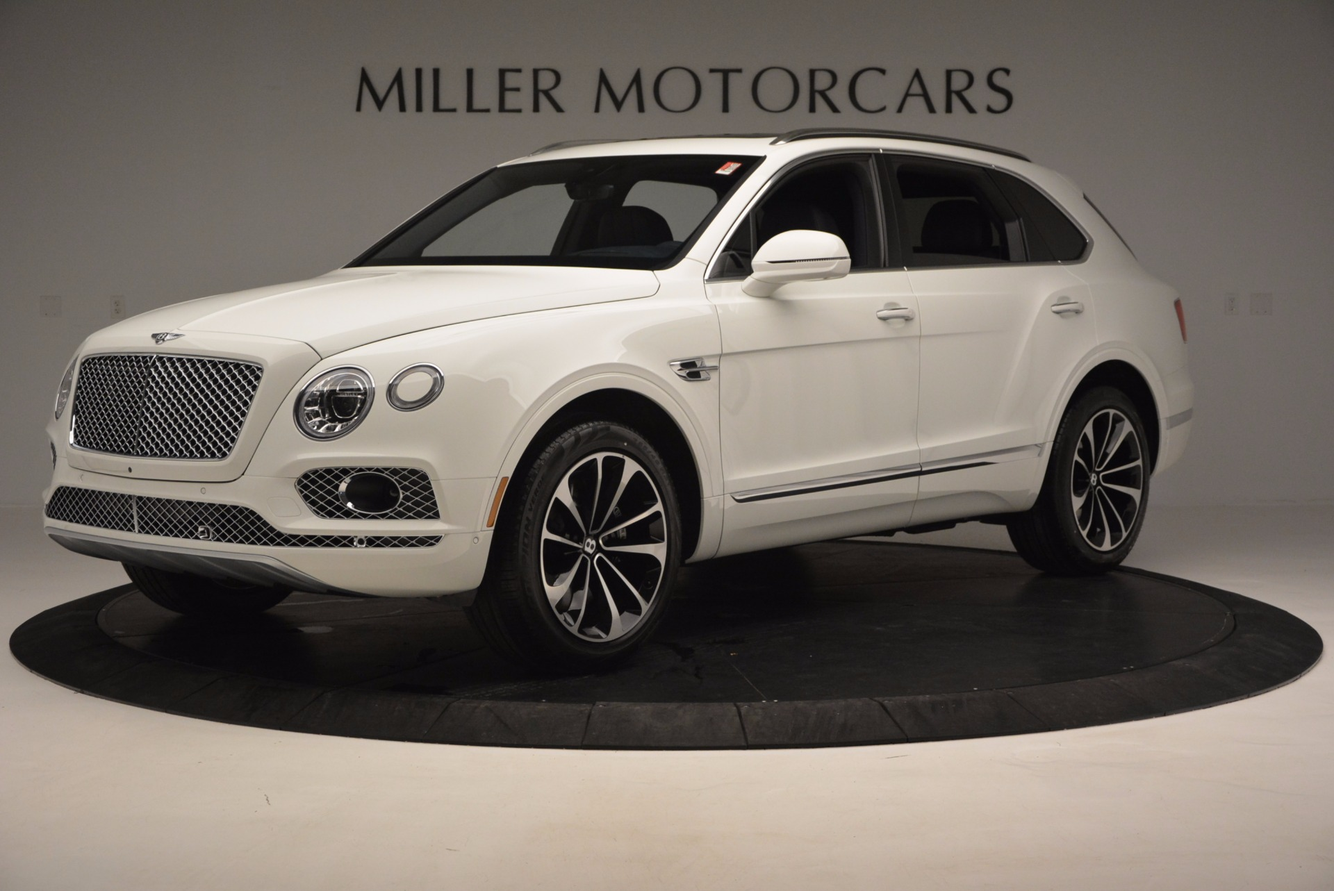 New 2017 Bentley Bentayga  For Sale In Greenwich, CT. Alfa Romeo of Greenwich, B1218 794_p2