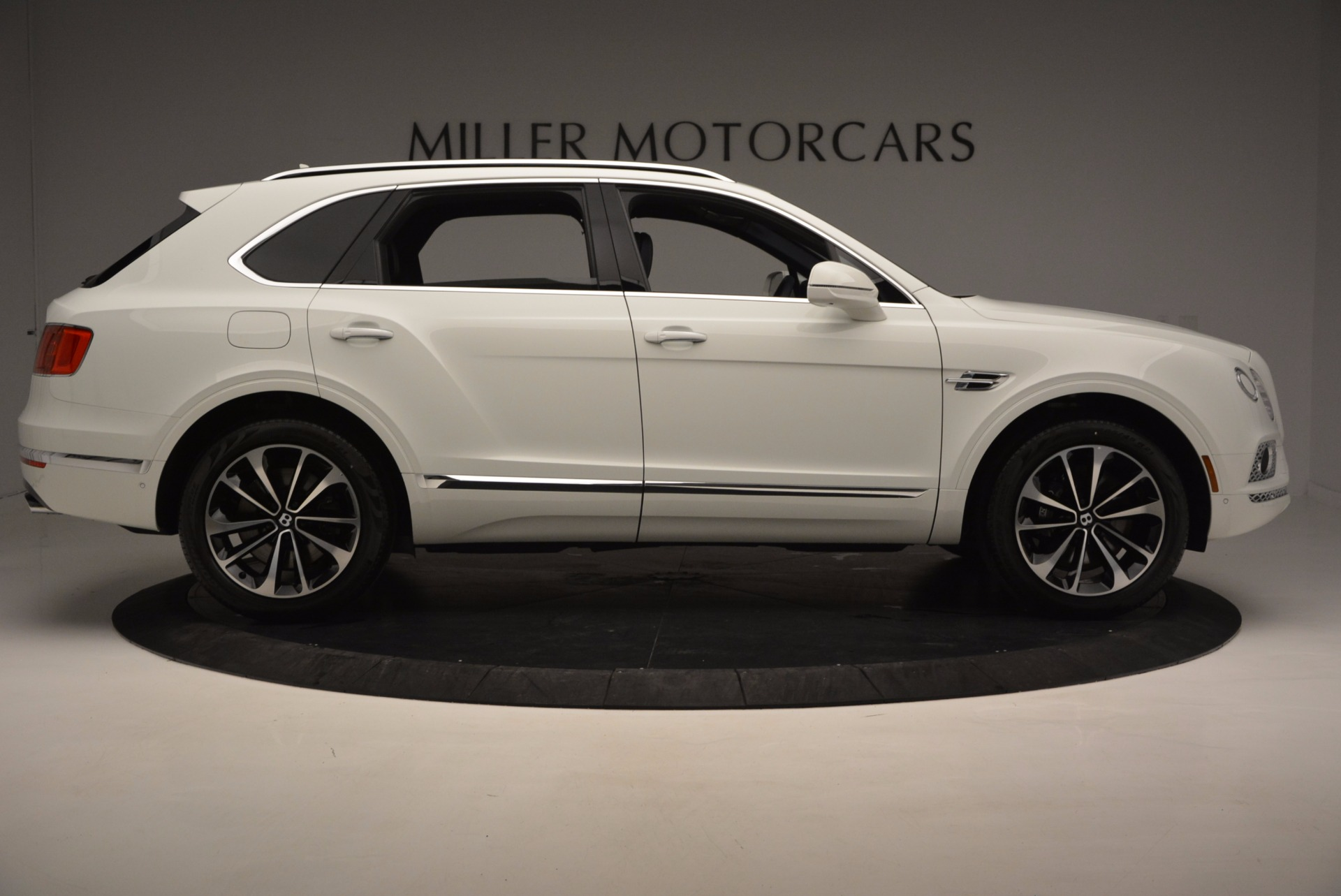 New 2017 Bentley Bentayga  For Sale In Greenwich, CT. Alfa Romeo of Greenwich, B1218 794_p9