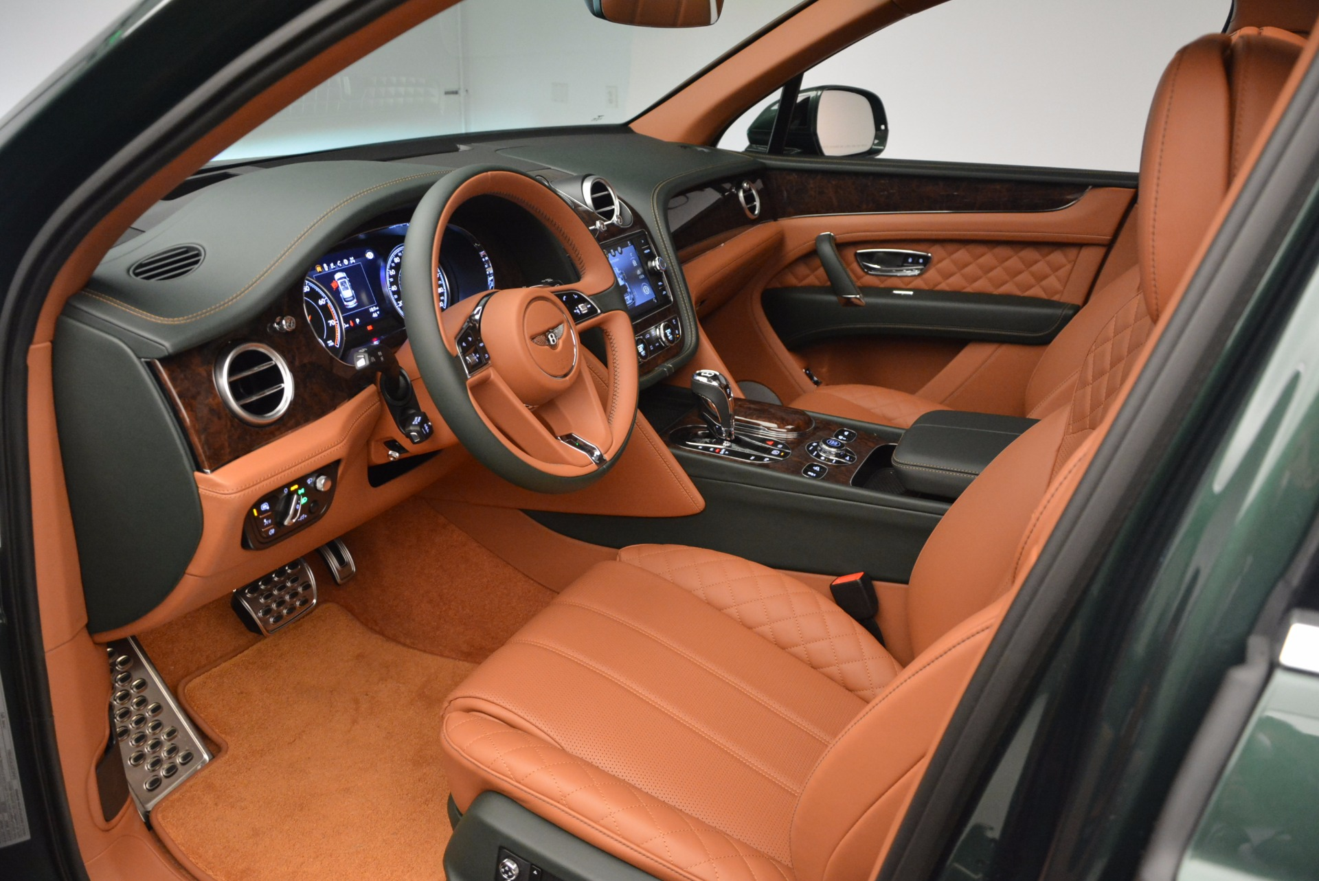New 2017 Bentley Bentayga  For Sale In Greenwich, CT. Alfa Romeo of Greenwich, B1222 796_p26