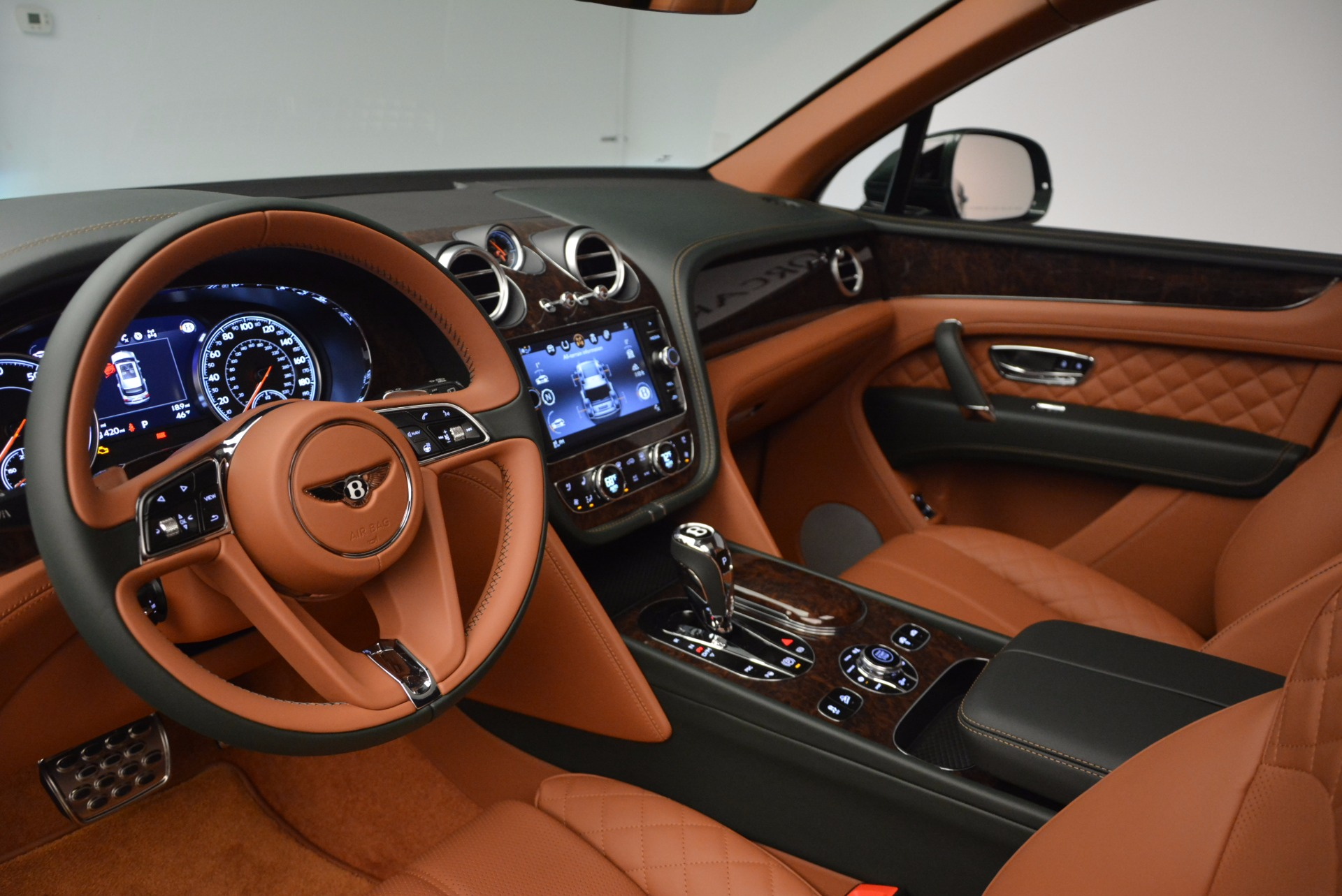 New 2017 Bentley Bentayga  For Sale In Greenwich, CT. Alfa Romeo of Greenwich, B1222 796_p27