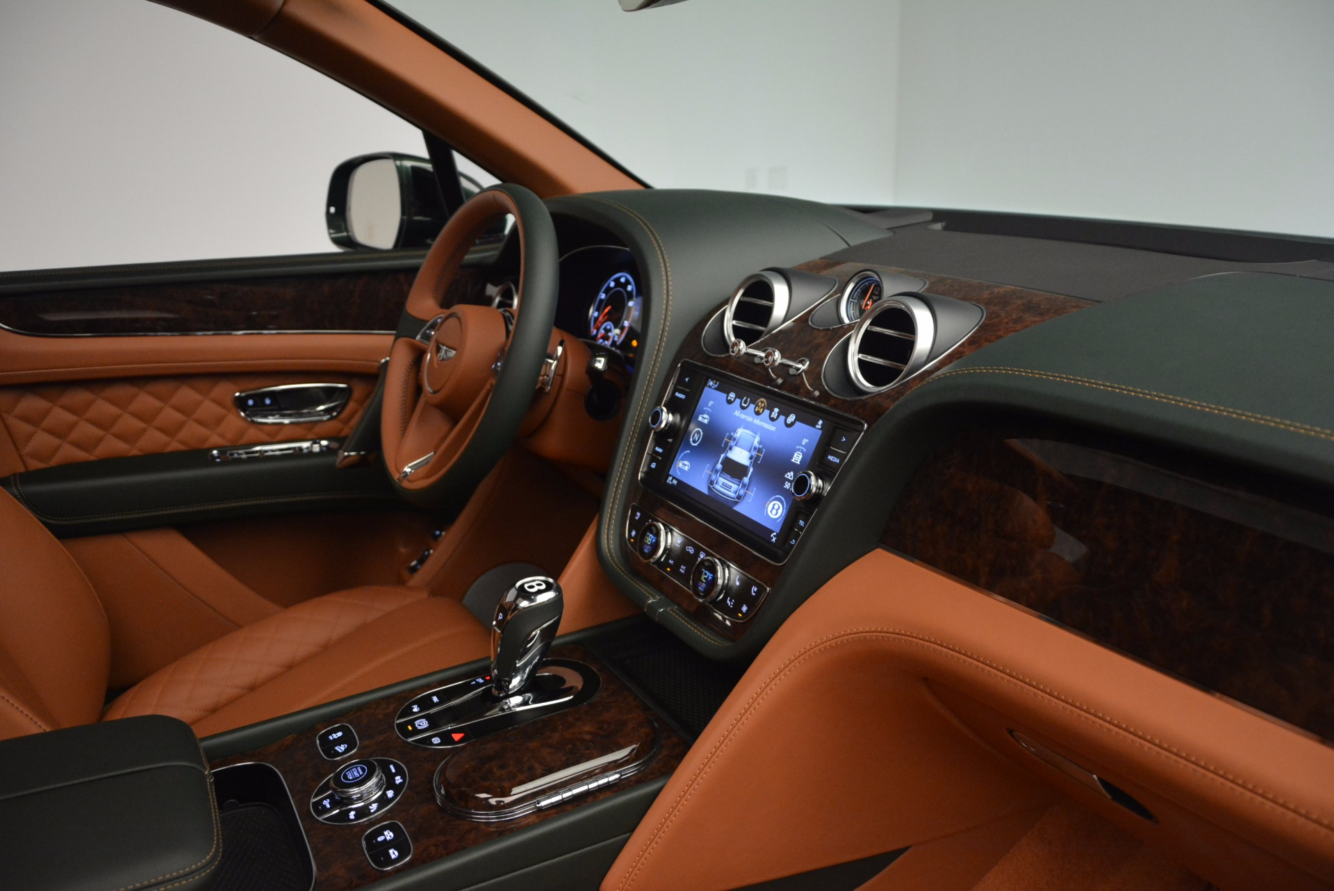 New 2017 Bentley Bentayga  For Sale In Greenwich, CT. Alfa Romeo of Greenwich, B1222 796_p43