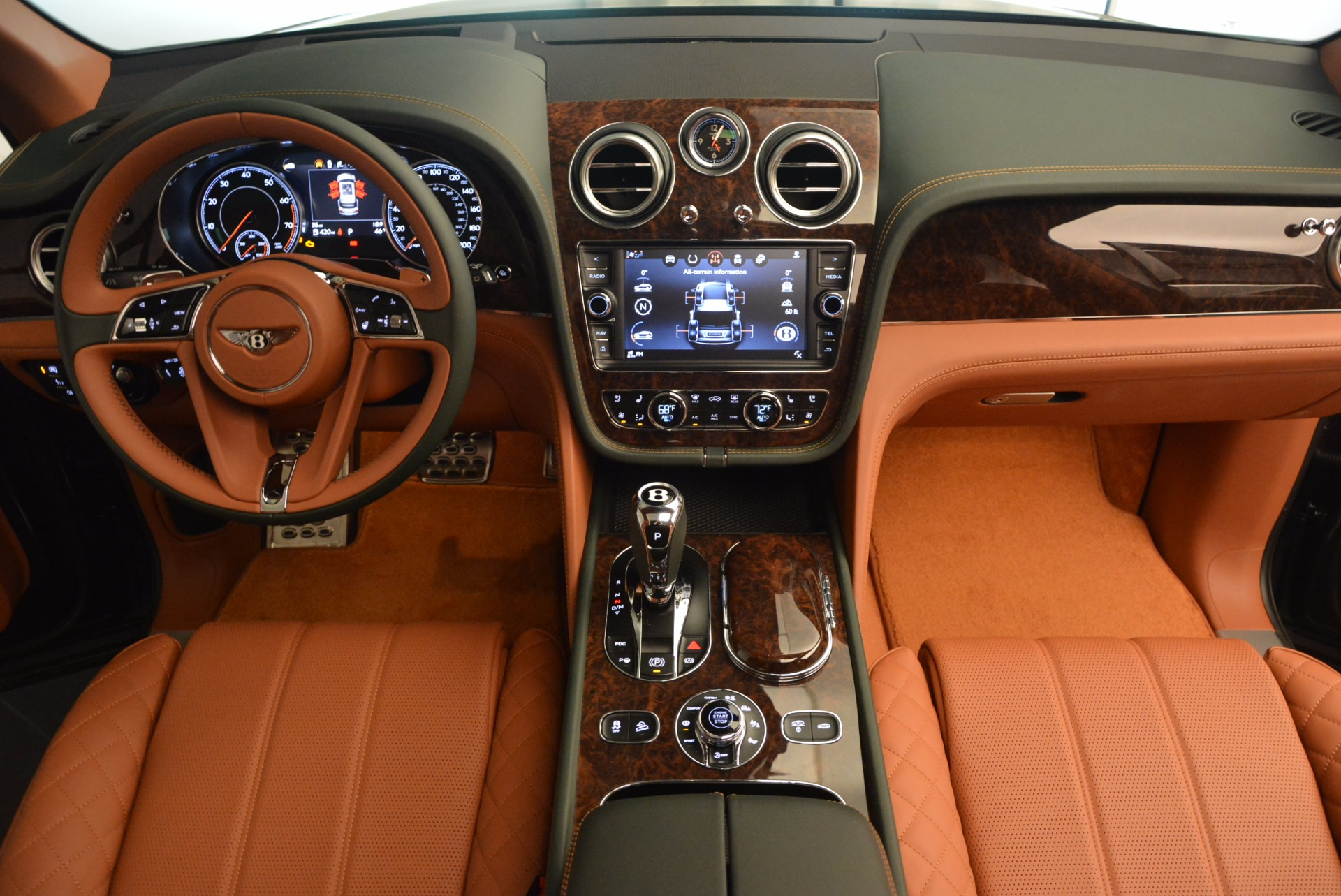 New 2017 Bentley Bentayga  For Sale In Greenwich, CT. Alfa Romeo of Greenwich, B1222 796_p50