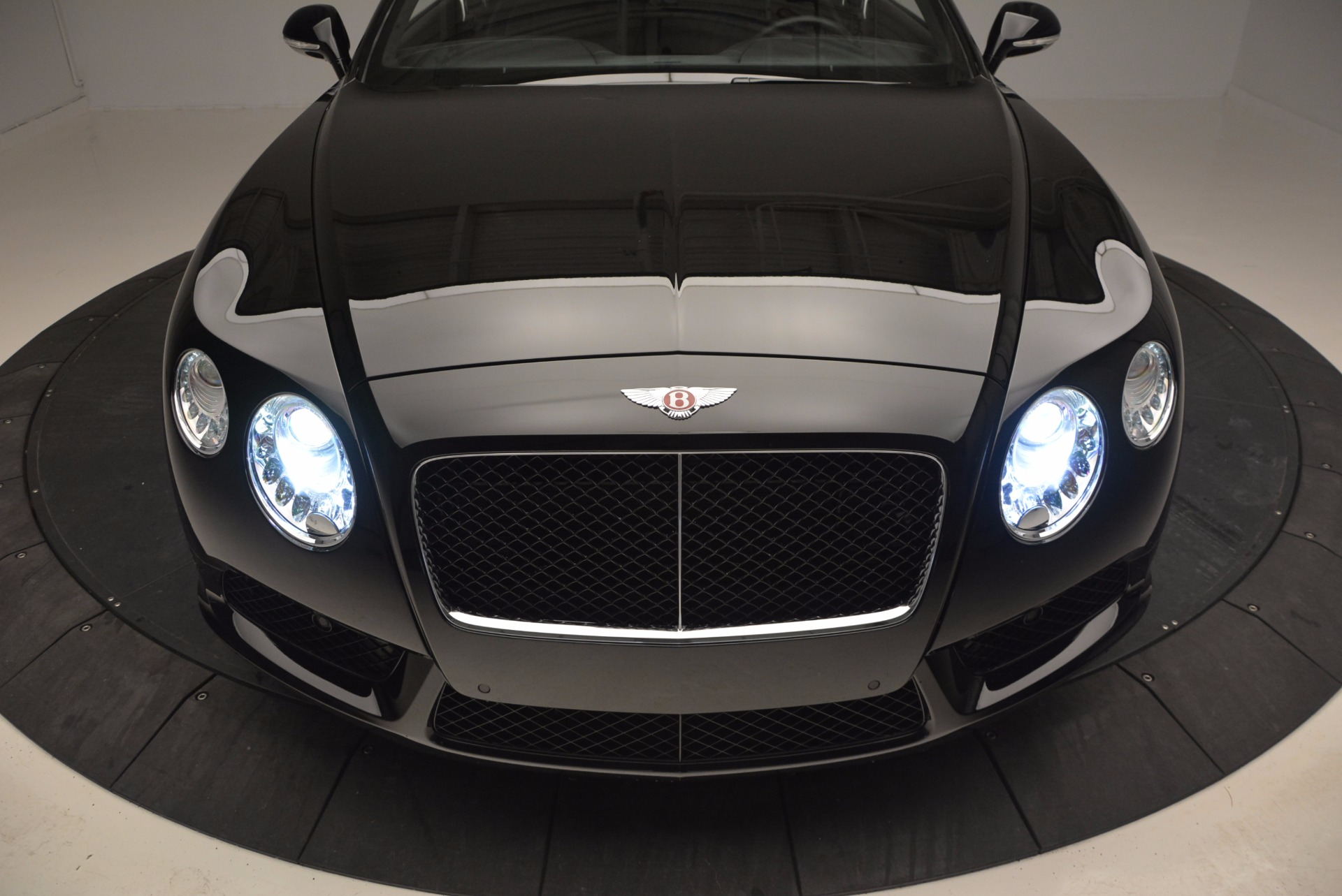 Used 2013 Bentley Continental GT V8 For Sale In Greenwich, CT. Alfa Romeo of Greenwich, 7129 797_p16