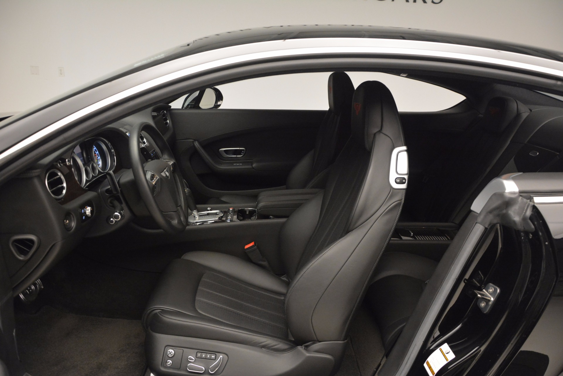 Used 2013 Bentley Continental GT V8 For Sale In Greenwich, CT. Alfa Romeo of Greenwich, 7129 797_p27