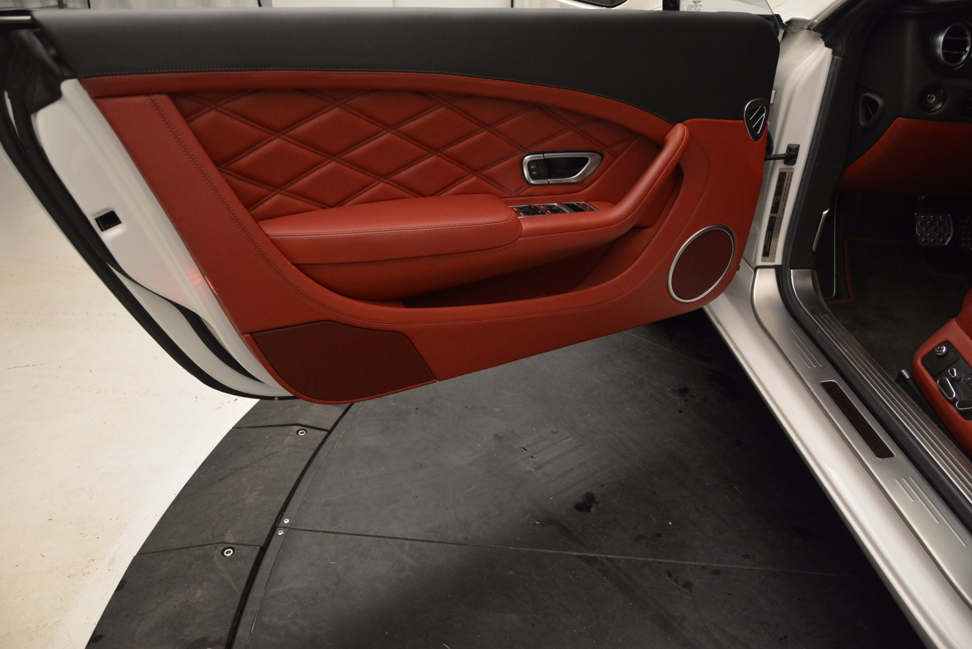 Used 2013 Bentley Continental GT V8 For Sale In Greenwich, CT. Alfa Romeo of Greenwich, B1201A 802_p24