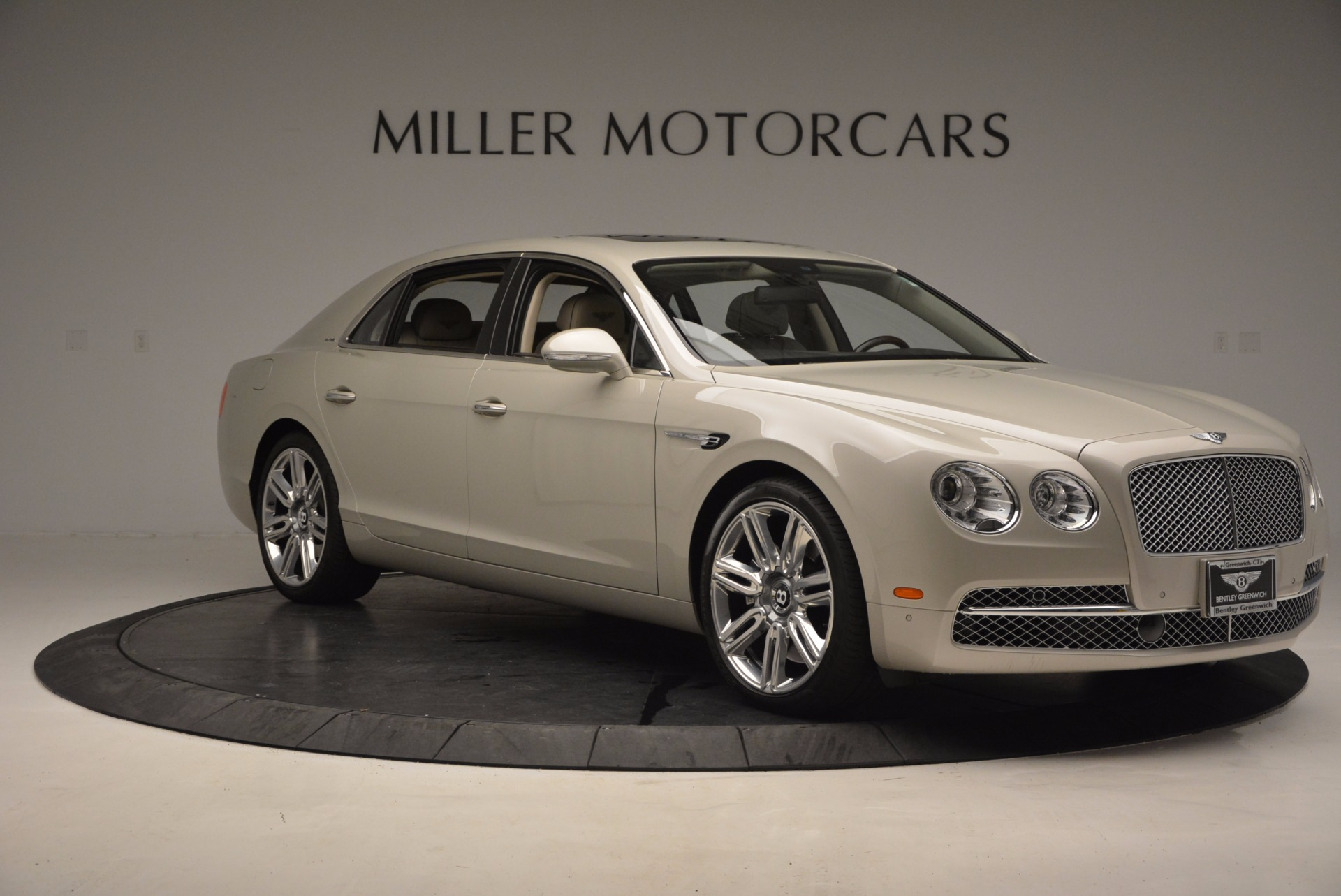 Used 2016 Bentley Flying Spur W12  For Sale In Greenwich, CT. Alfa Romeo of Greenwich, B1165A 804_p12