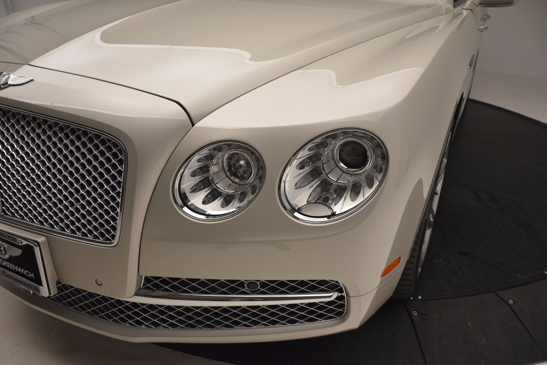 Used 2016 Bentley Flying Spur W12  For Sale In Greenwich, CT. Alfa Romeo of Greenwich, B1165A 804_p18