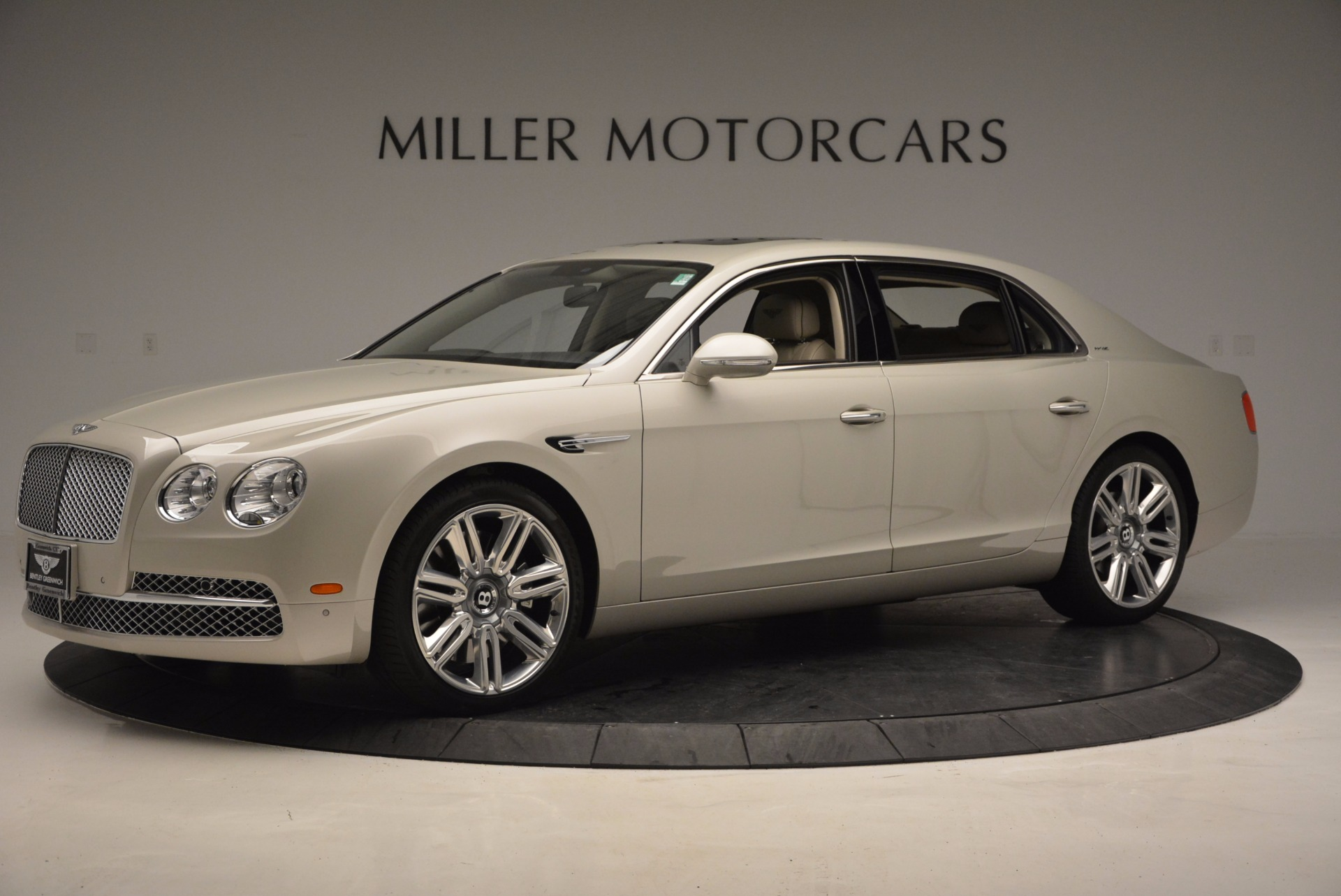 Used 2016 Bentley Flying Spur W12  For Sale In Greenwich, CT. Alfa Romeo of Greenwich, B1165A 804_p2